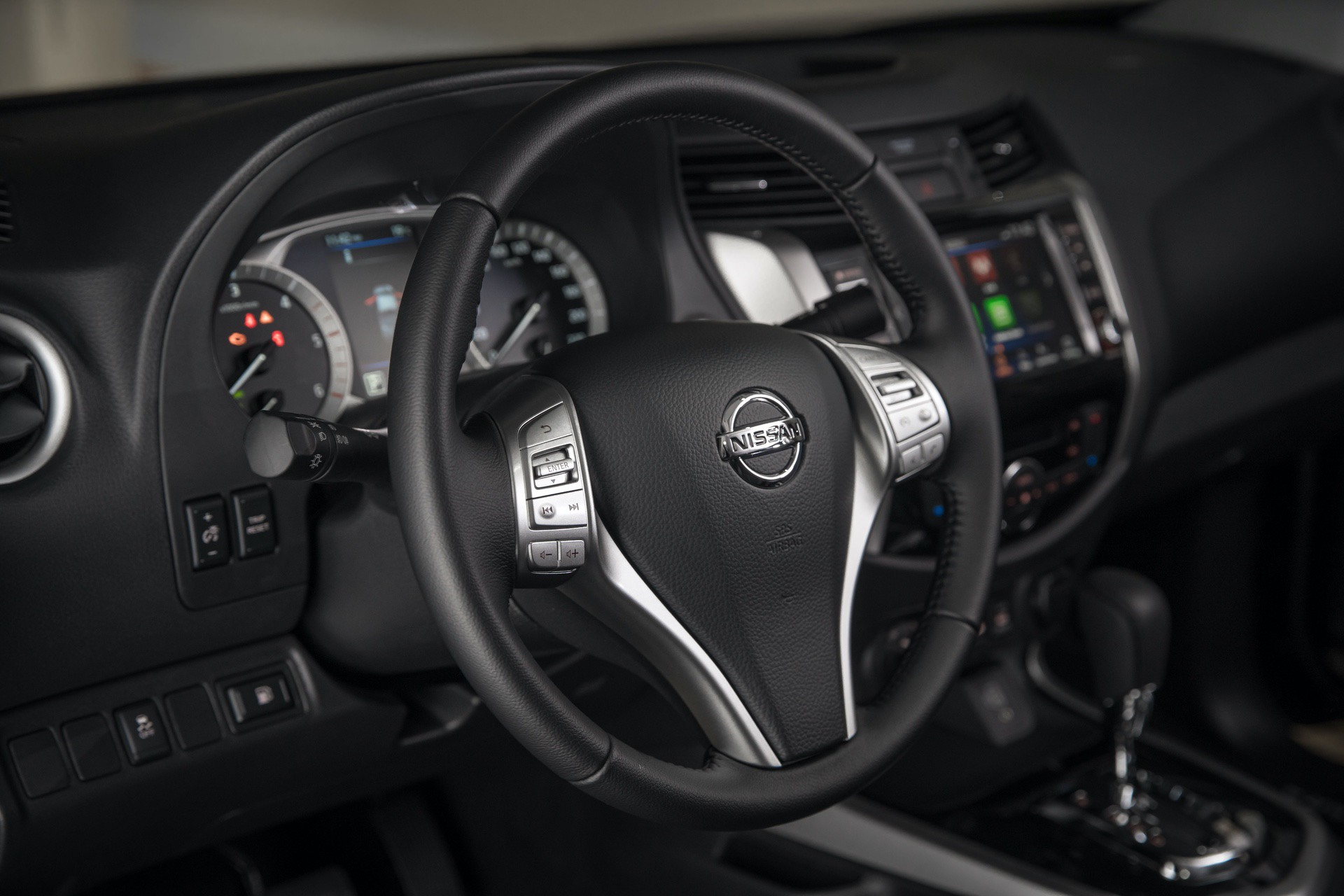 Nissan-Navara-Double-Cab-Interior-Steering-wheel