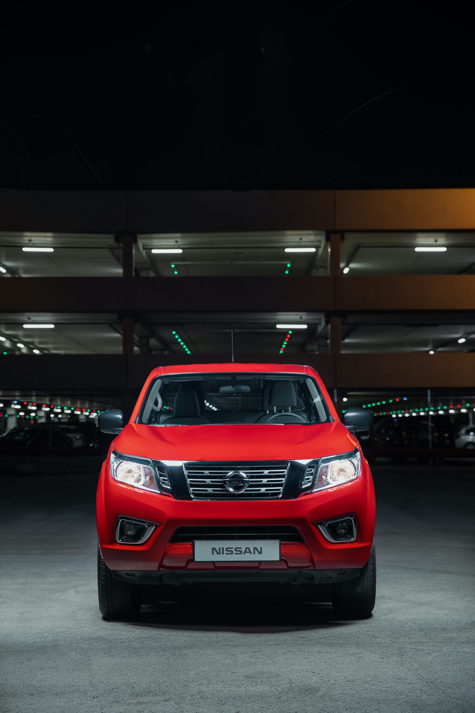 Nissan-Navara-King-Cab-Red-Front-straight