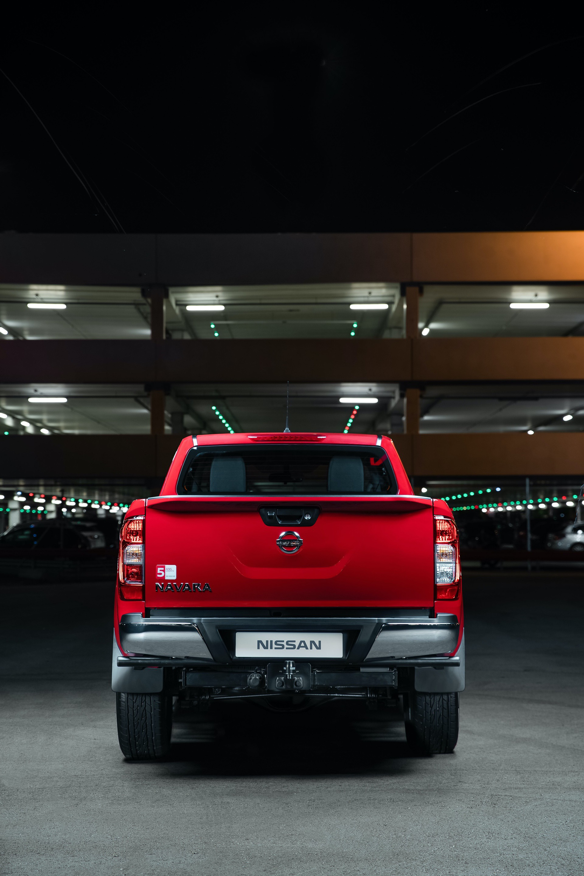 Nissan-Navara-King-Cab-Red-Rear-straight