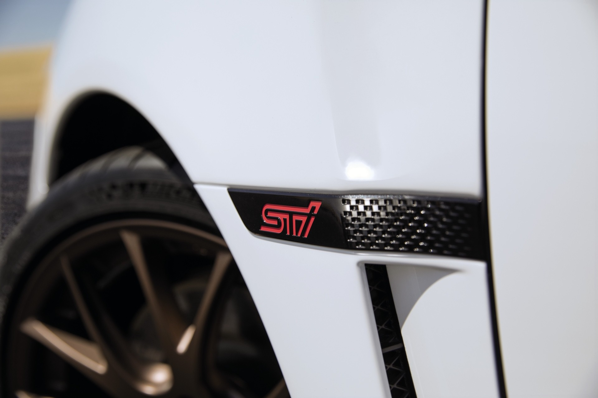 2020_Subaru_WRX_and_STI_Series.White_0004