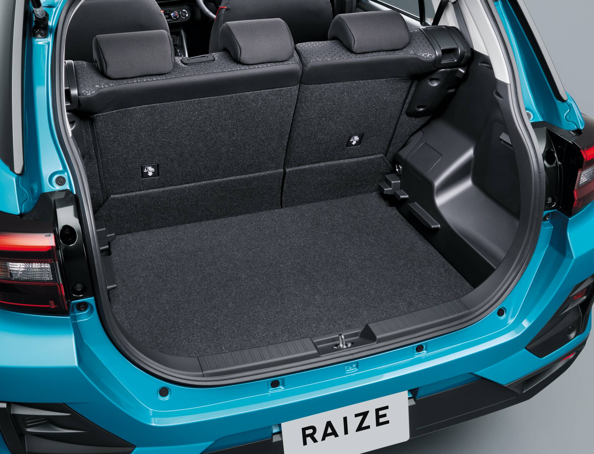 2020_Toyota_Raize_0011