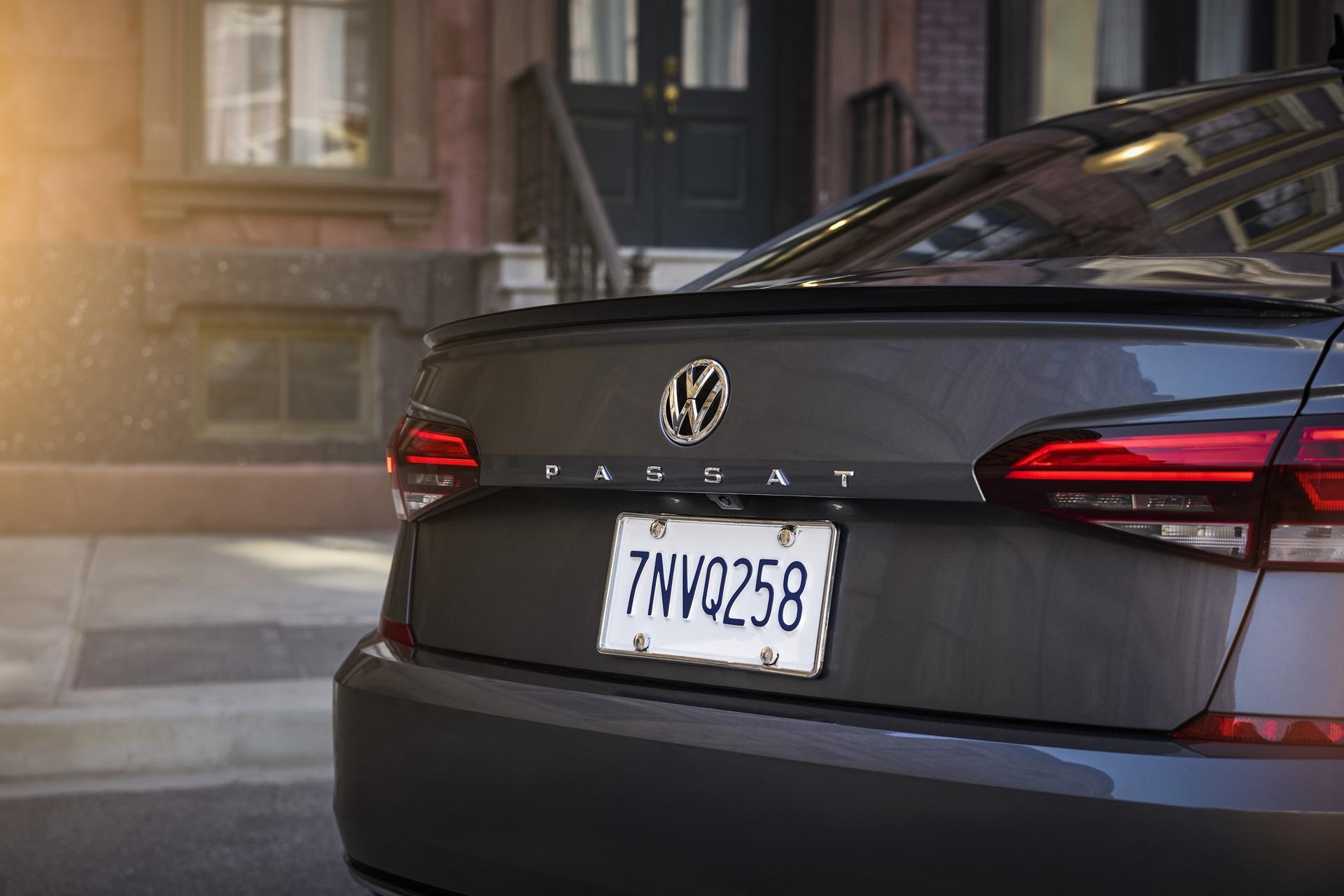 2020_VW_Passat_0011