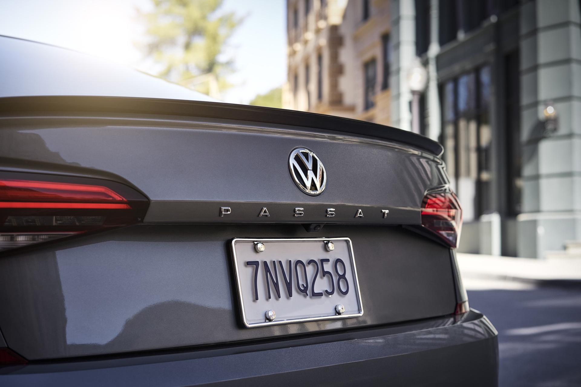 2020_VW_Passat_0012