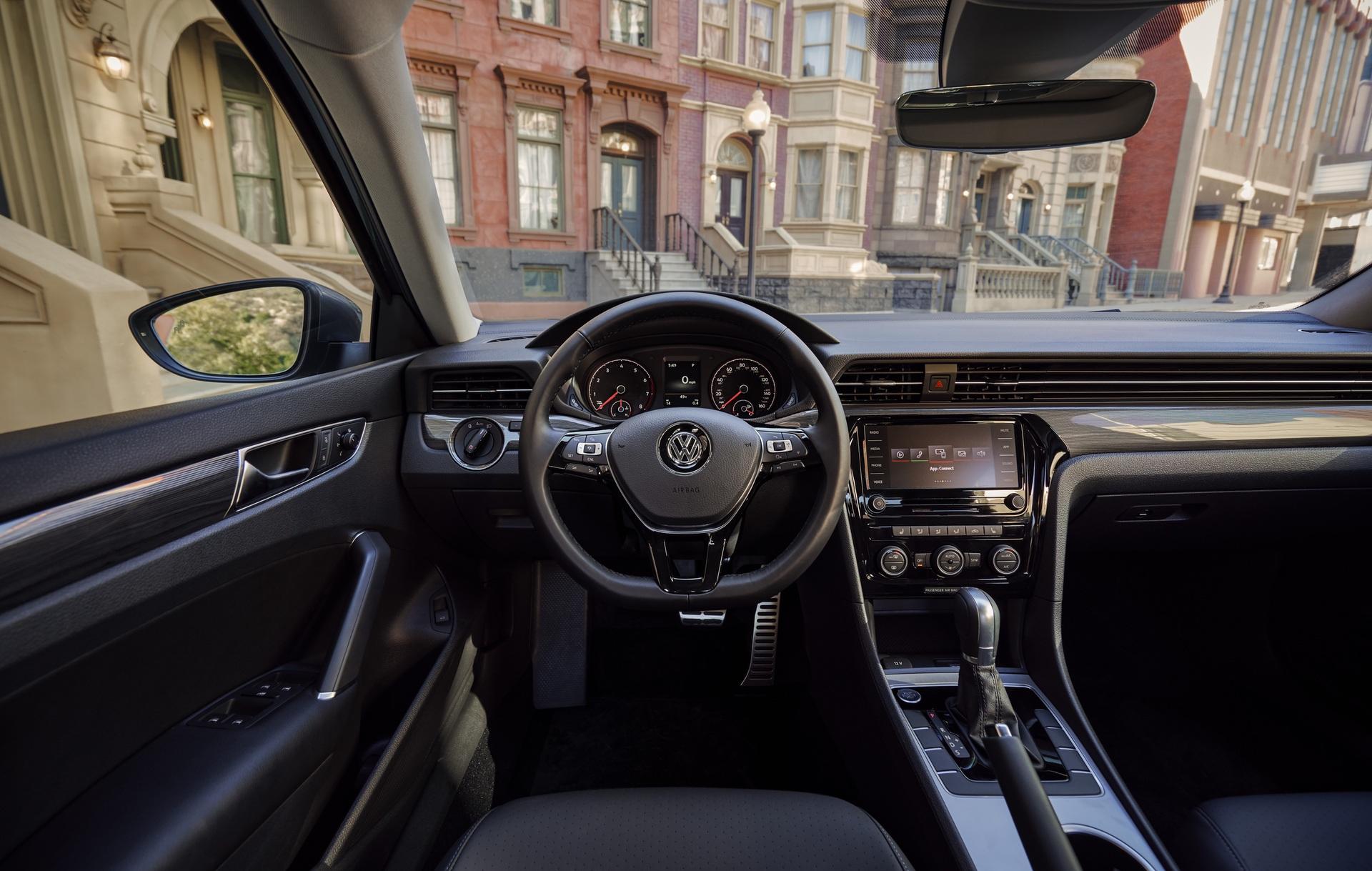 2020_VW_Passat_0019