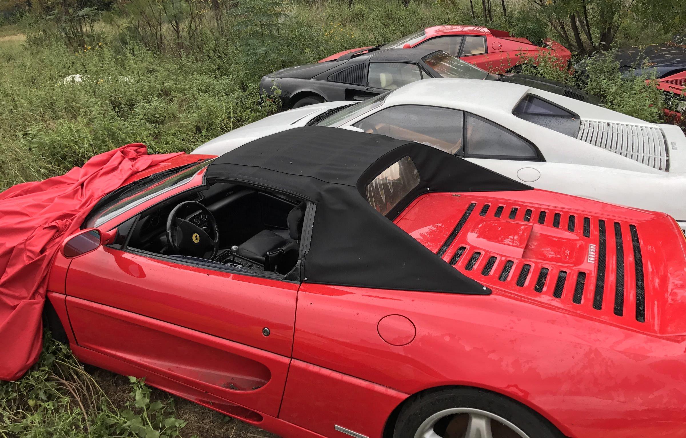 Abandoned-Ferrari-11