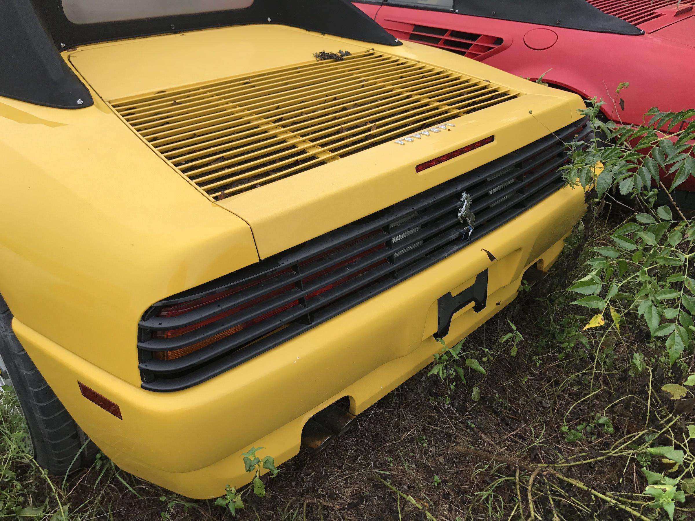 Abandoned-Ferrari-14