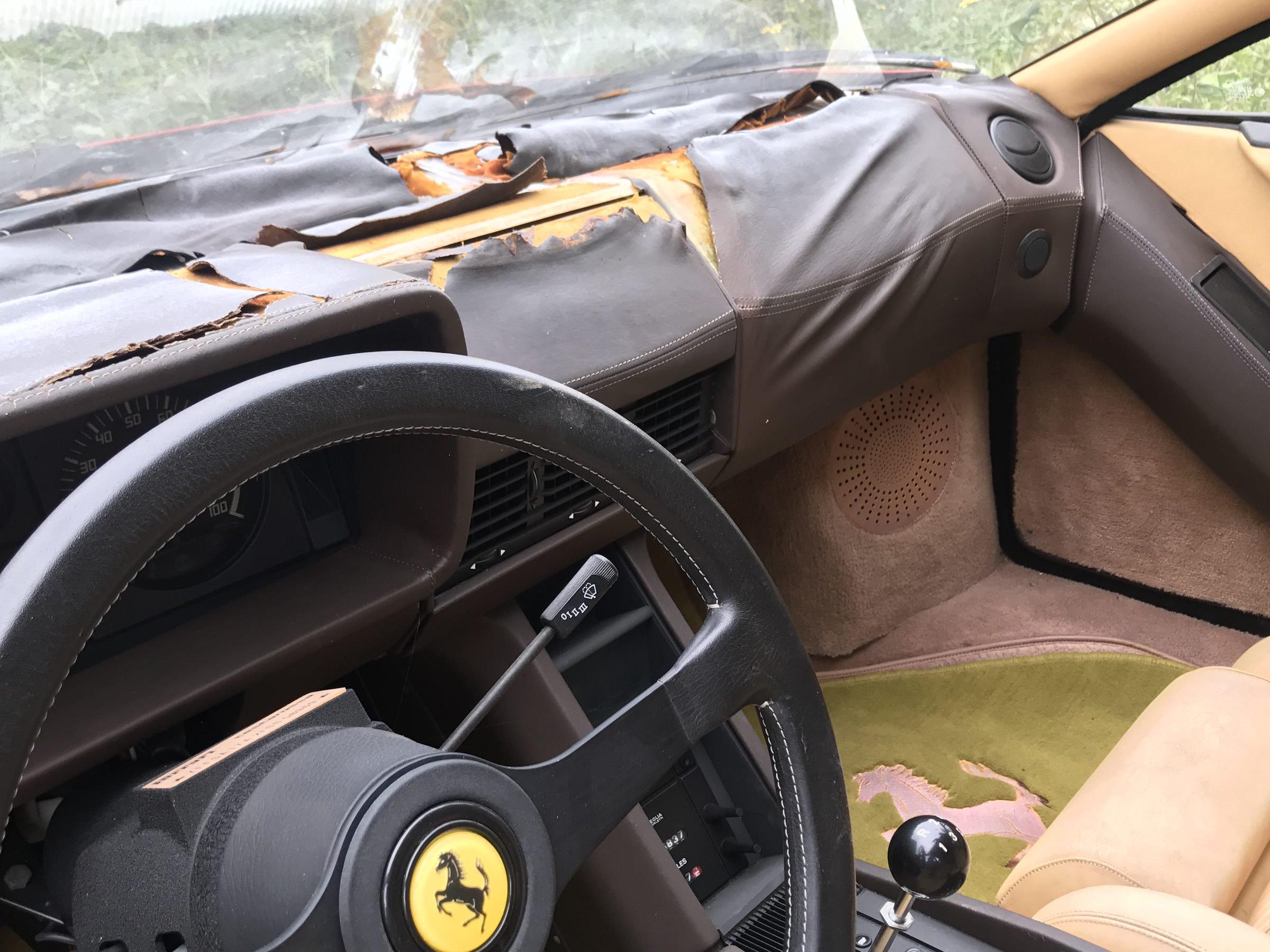 Abandoned-Ferrari-23