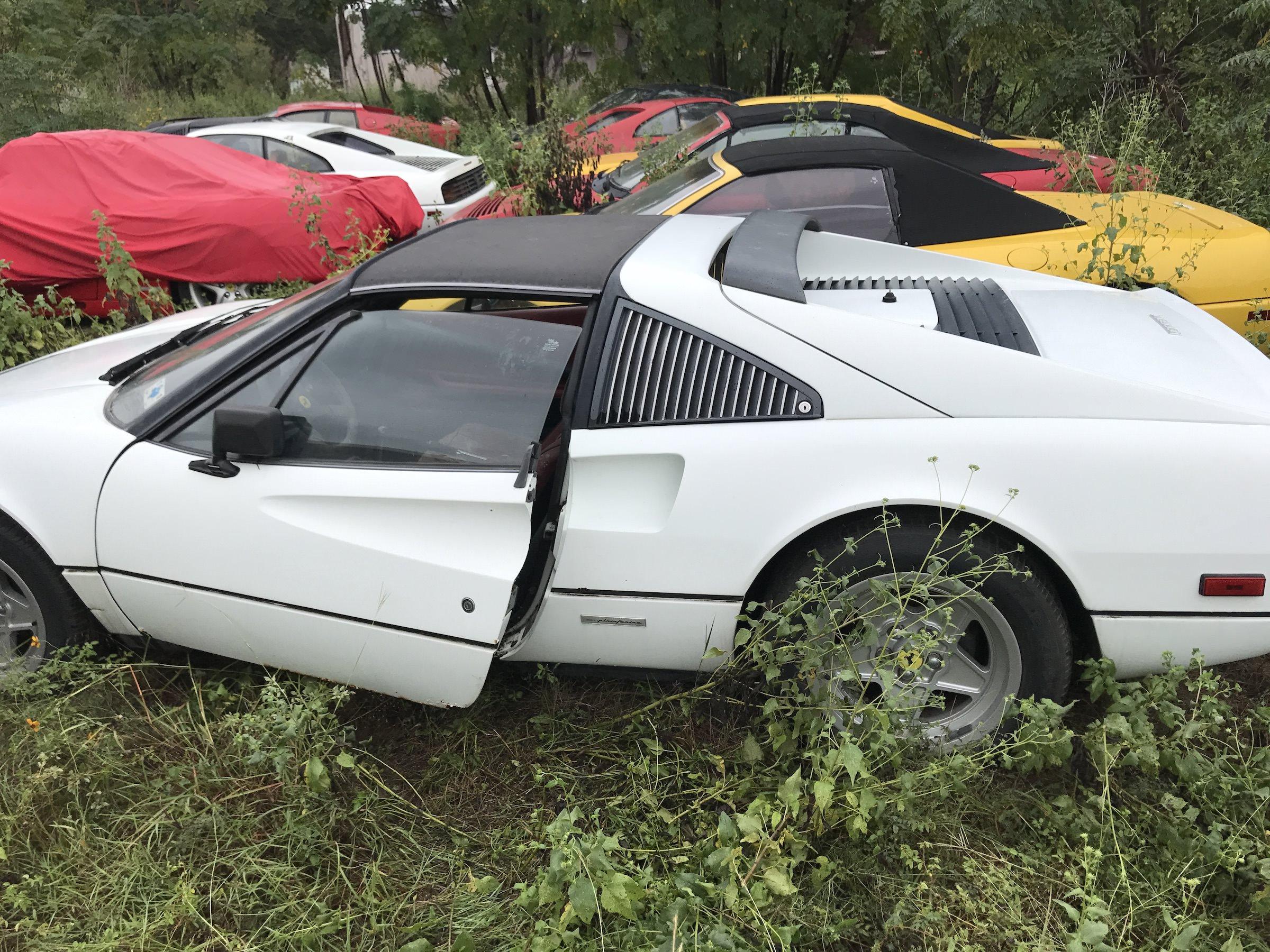 Abandoned-Ferrari-27