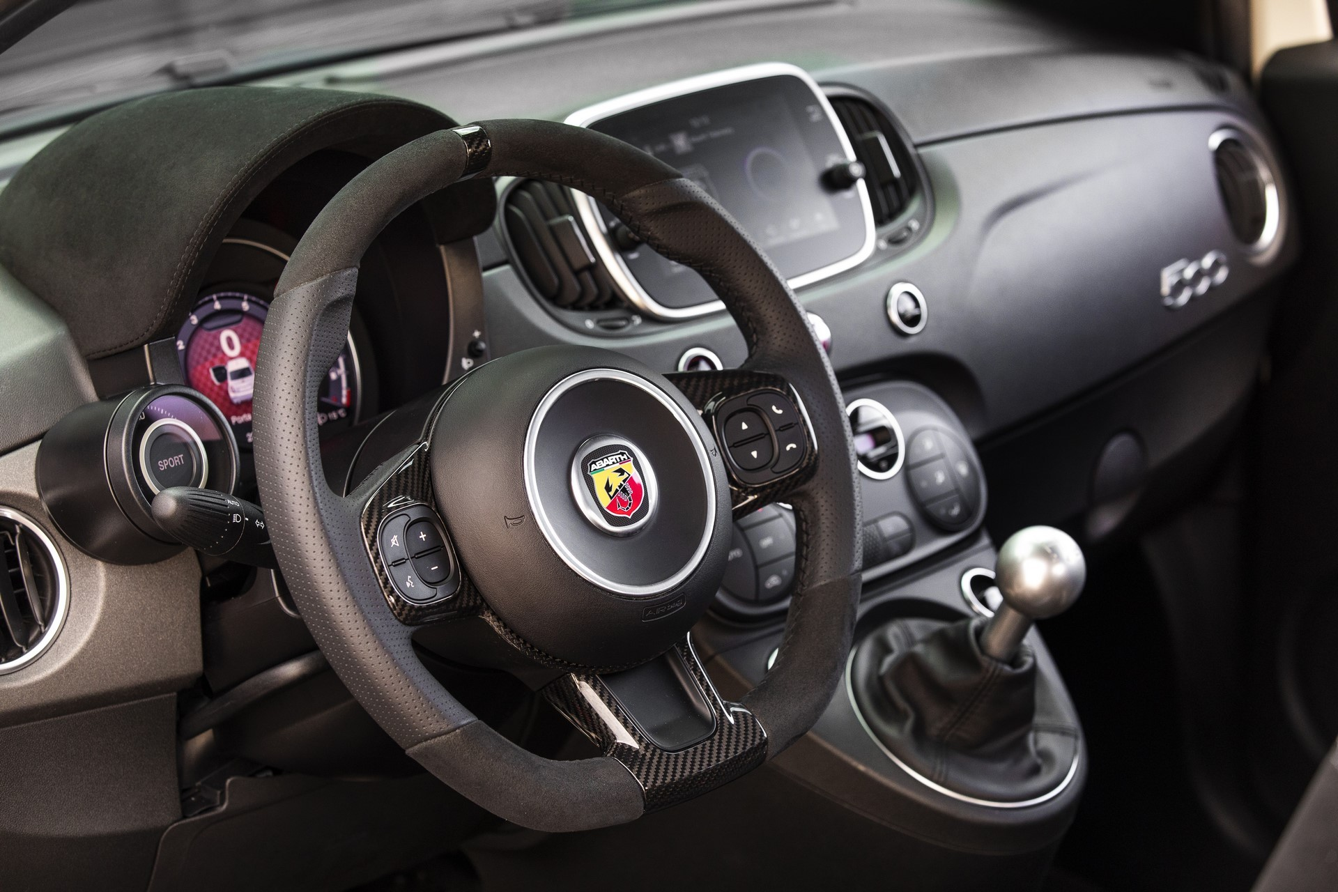 190129_Abarth_70th_Anniversary_range_24
