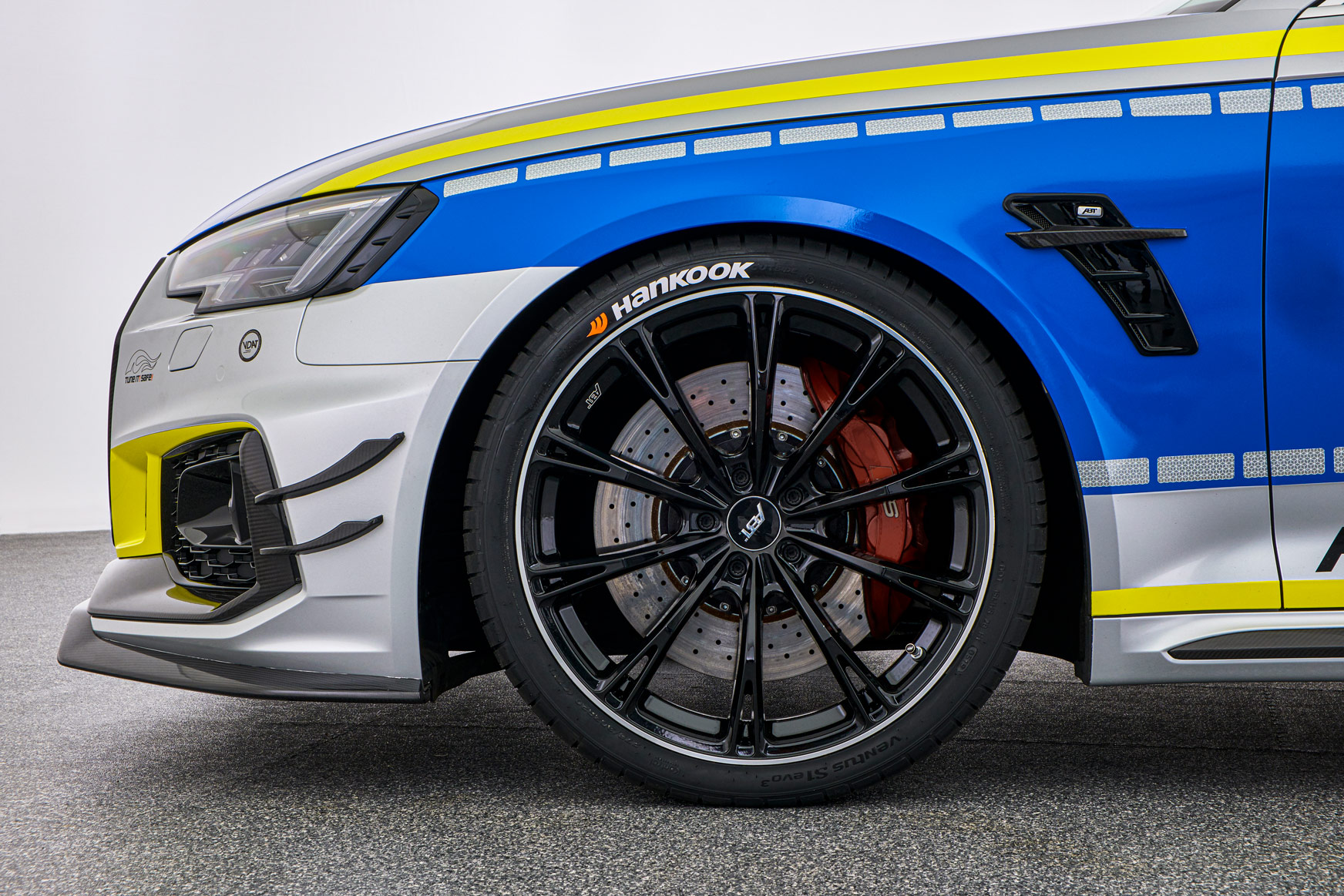 ABT-Audi-RS4-R-Avant-Police-car-Tuneit-safe-2
