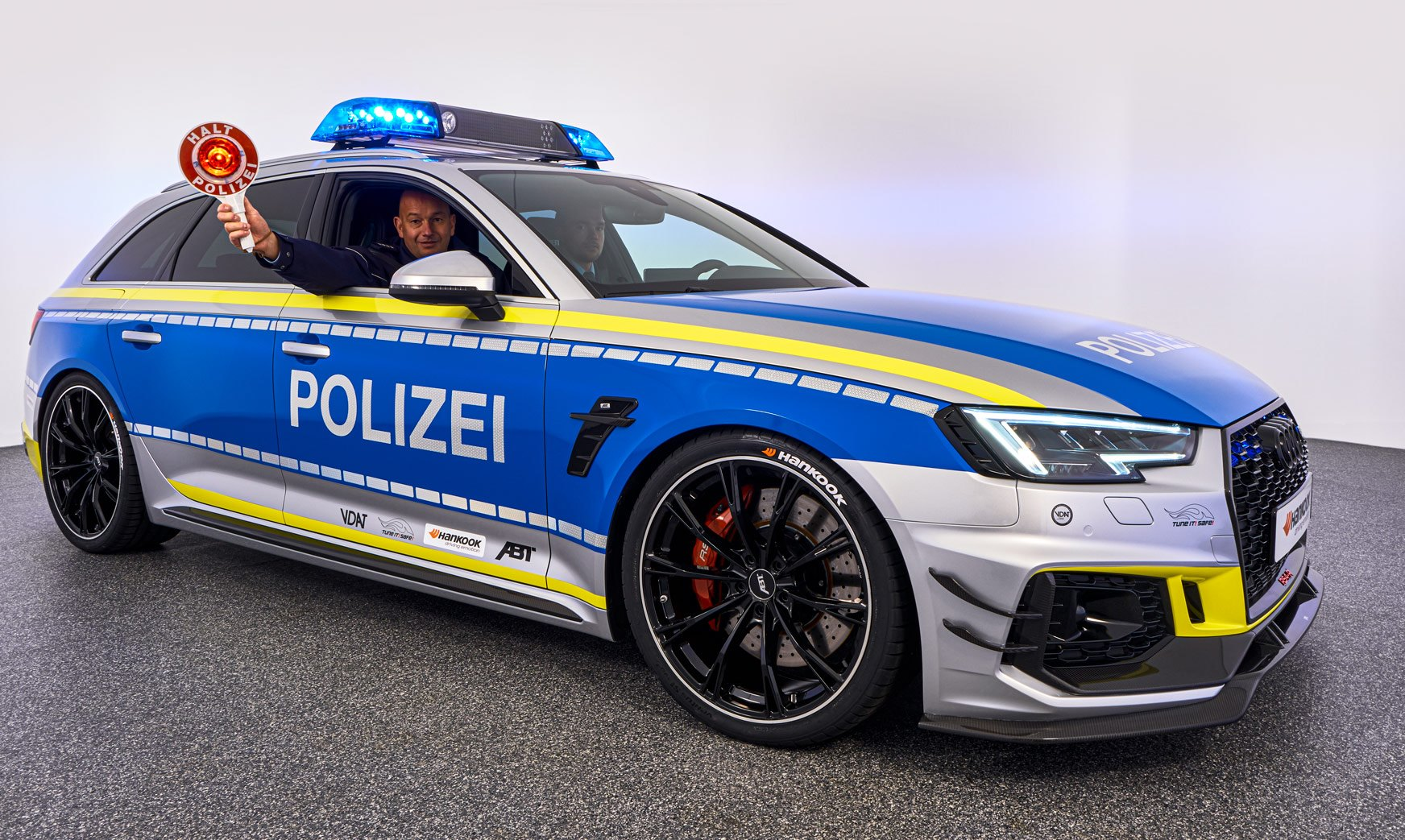 ABT-Audi-RS4-R-Avant-Police-car-Tuneit-safe-4