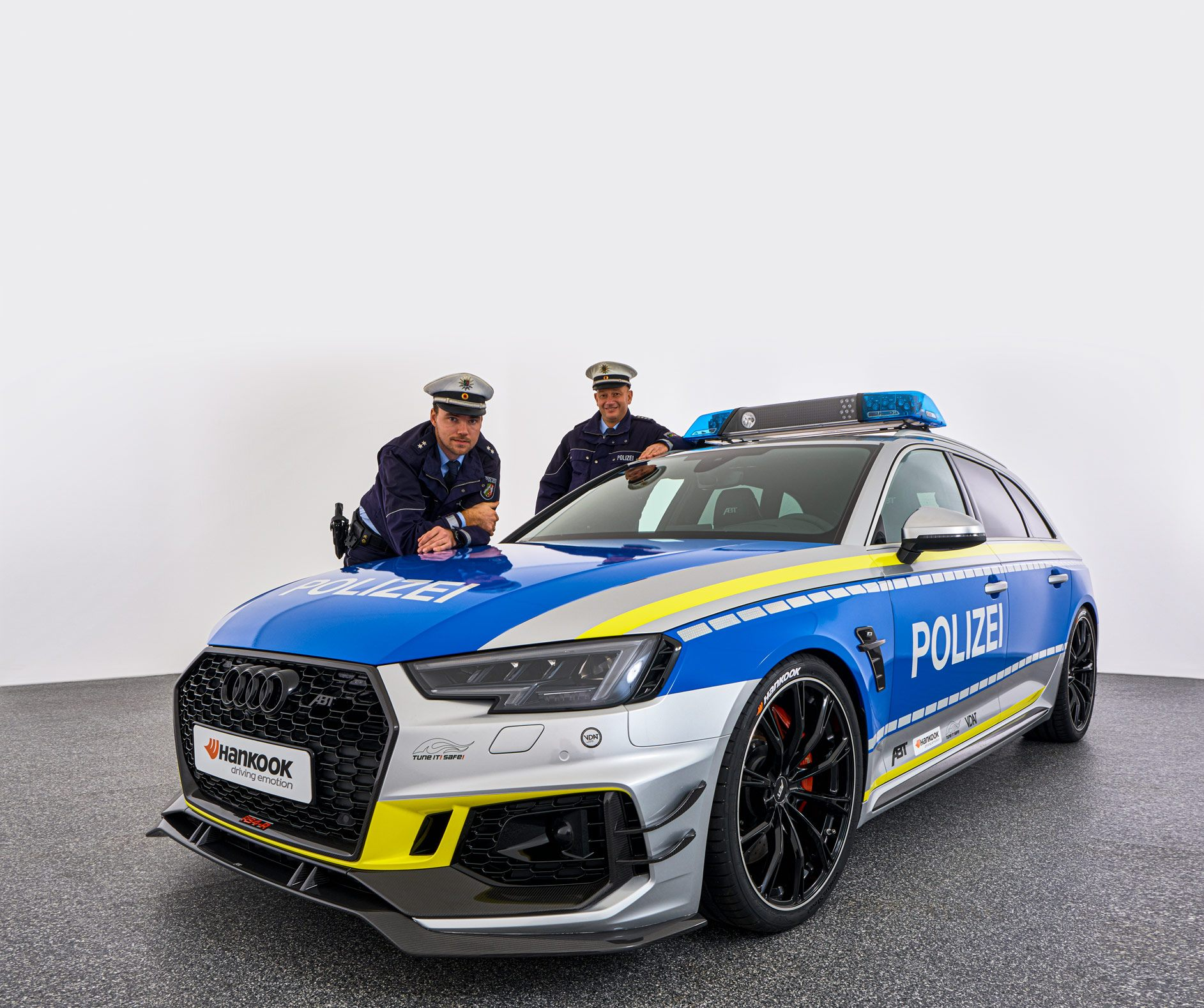 ABT-Audi-RS4-R-Avant-Police-car-Tuneit-safe-5