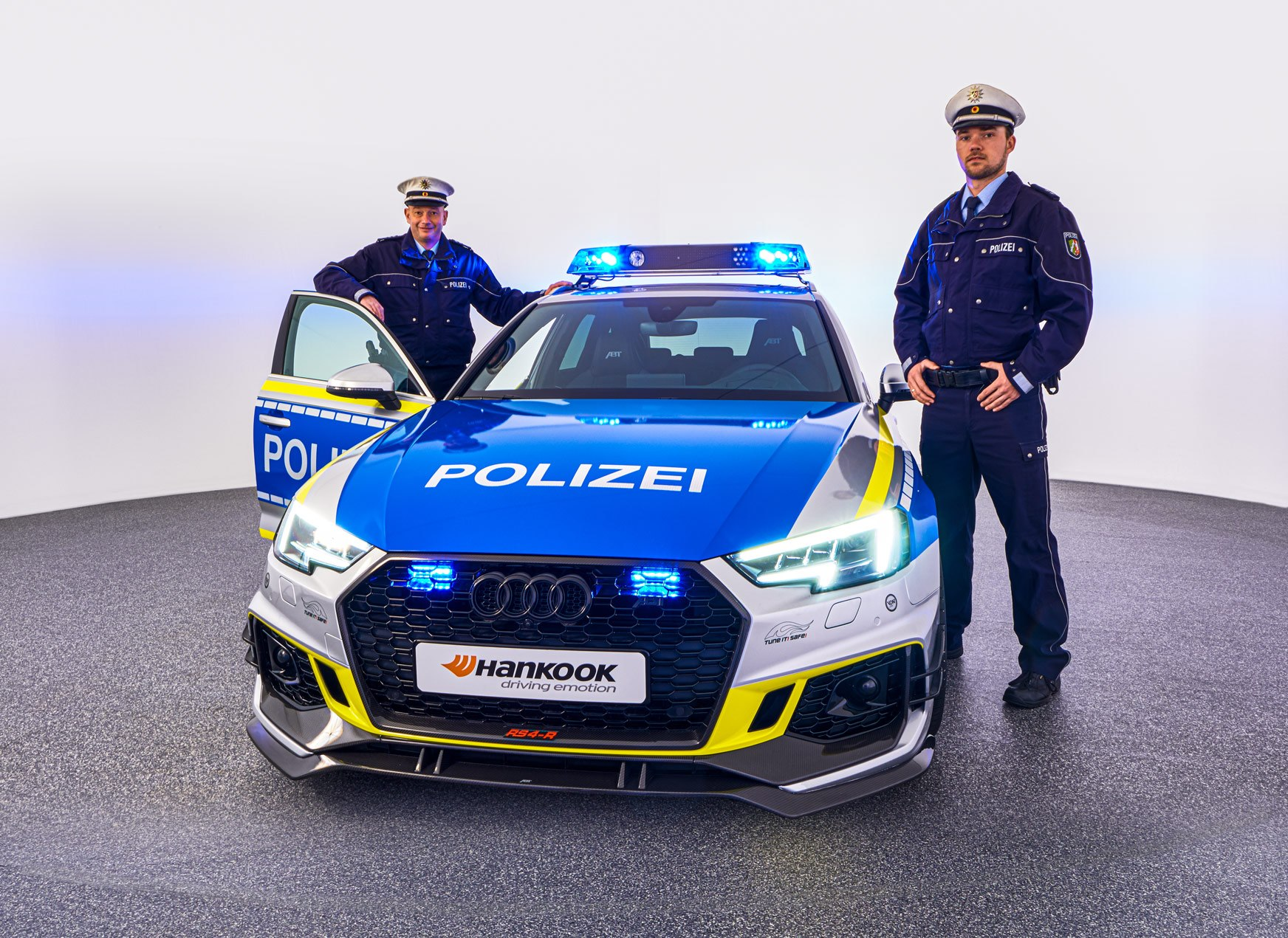 ABT-Audi-RS4-R-Avant-Police-car-Tuneit-safe-6