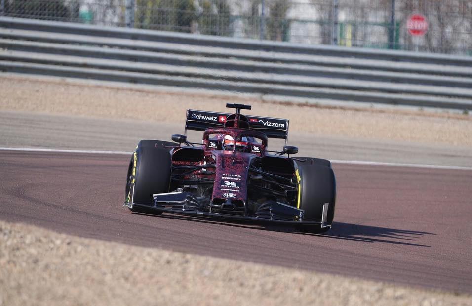 Alfa_Romeo_F1_shakedown_0001 (1)