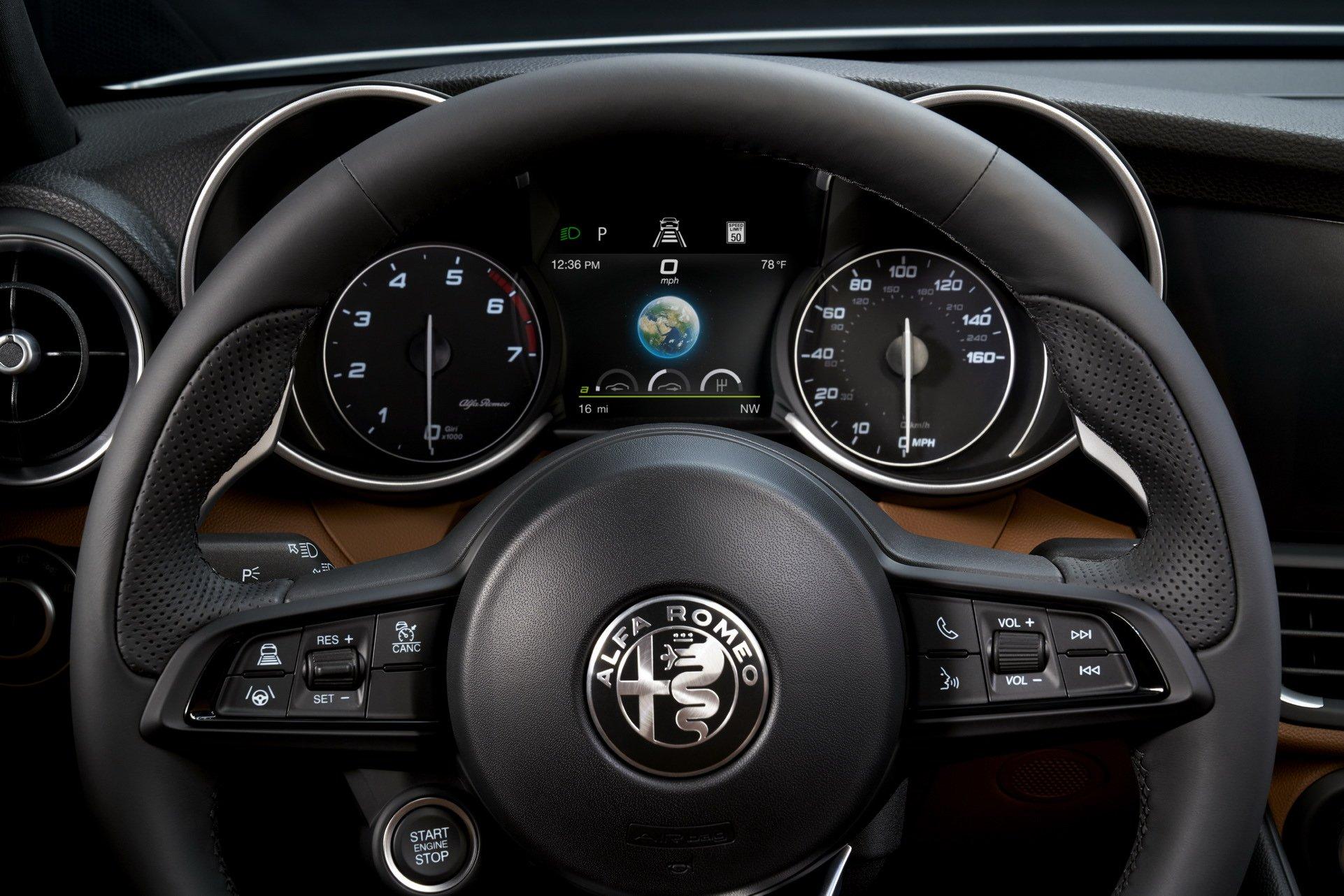 2020-Alfa-Romeo-Giulia-8
