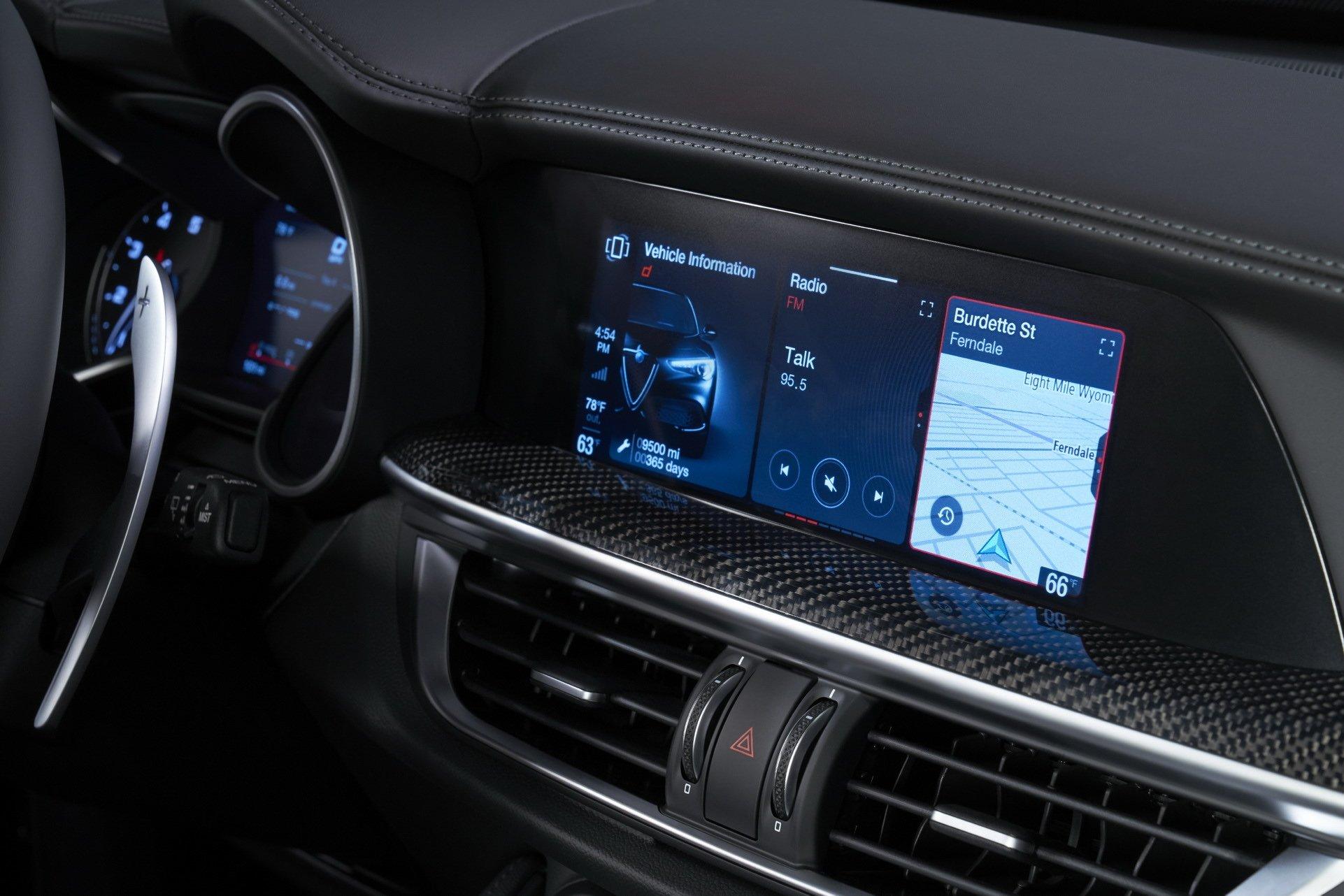 2020-Alfa-Romeo-STelvio-10