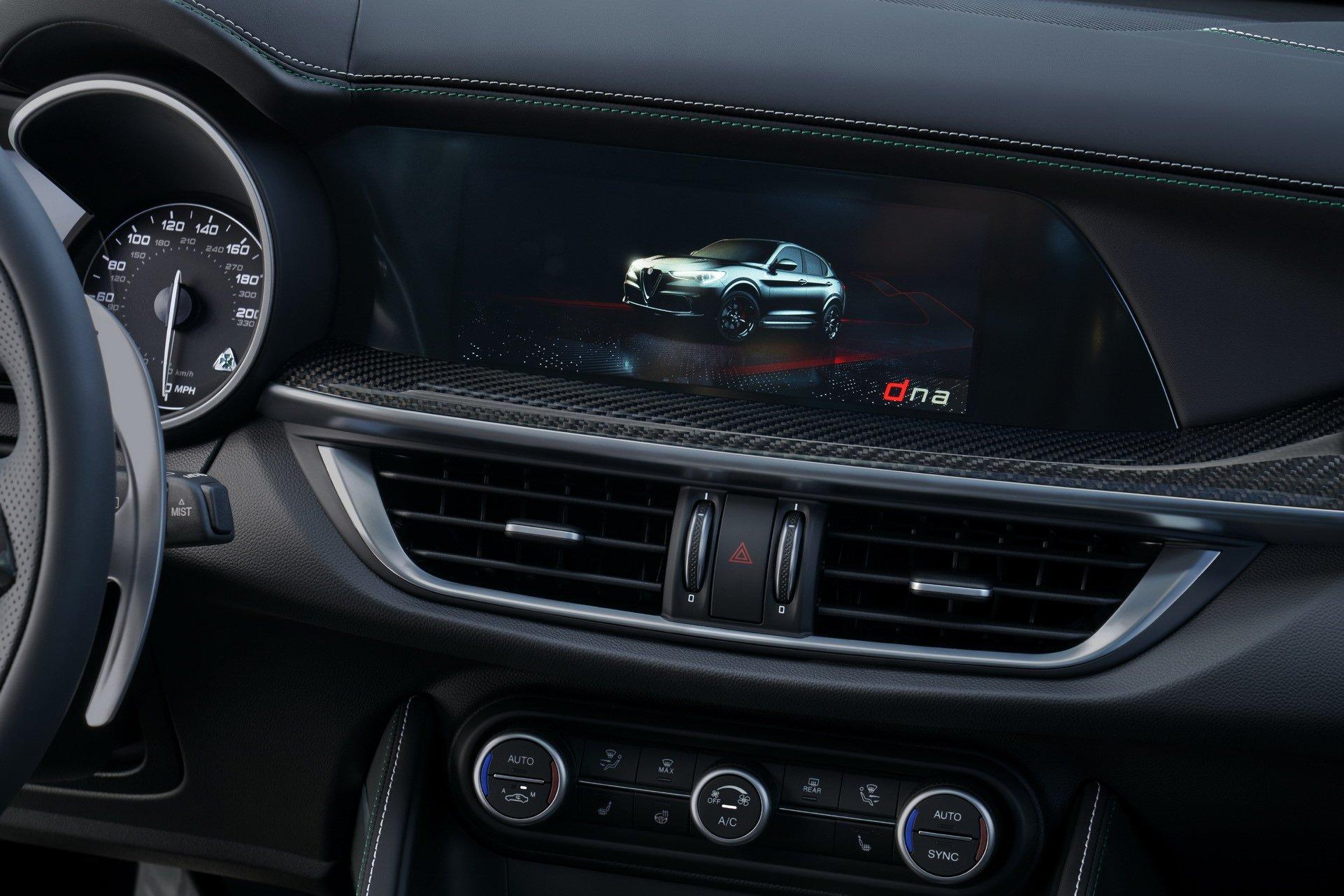 2020-Alfa-Romeo-STelvio-11