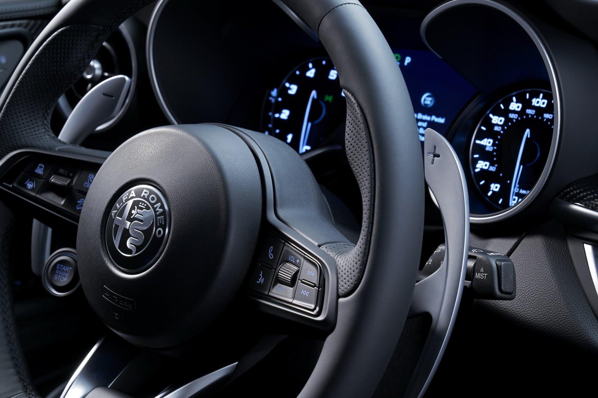 2020-Alfa-Romeo-STelvio-7