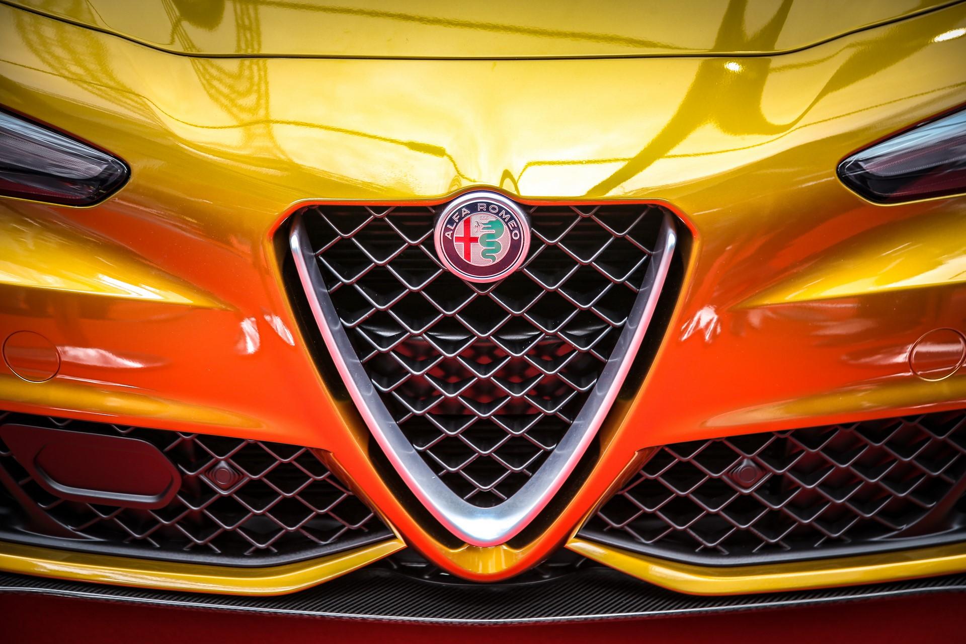 Alfa-Romeo-Giulia-QV-Ochre-3