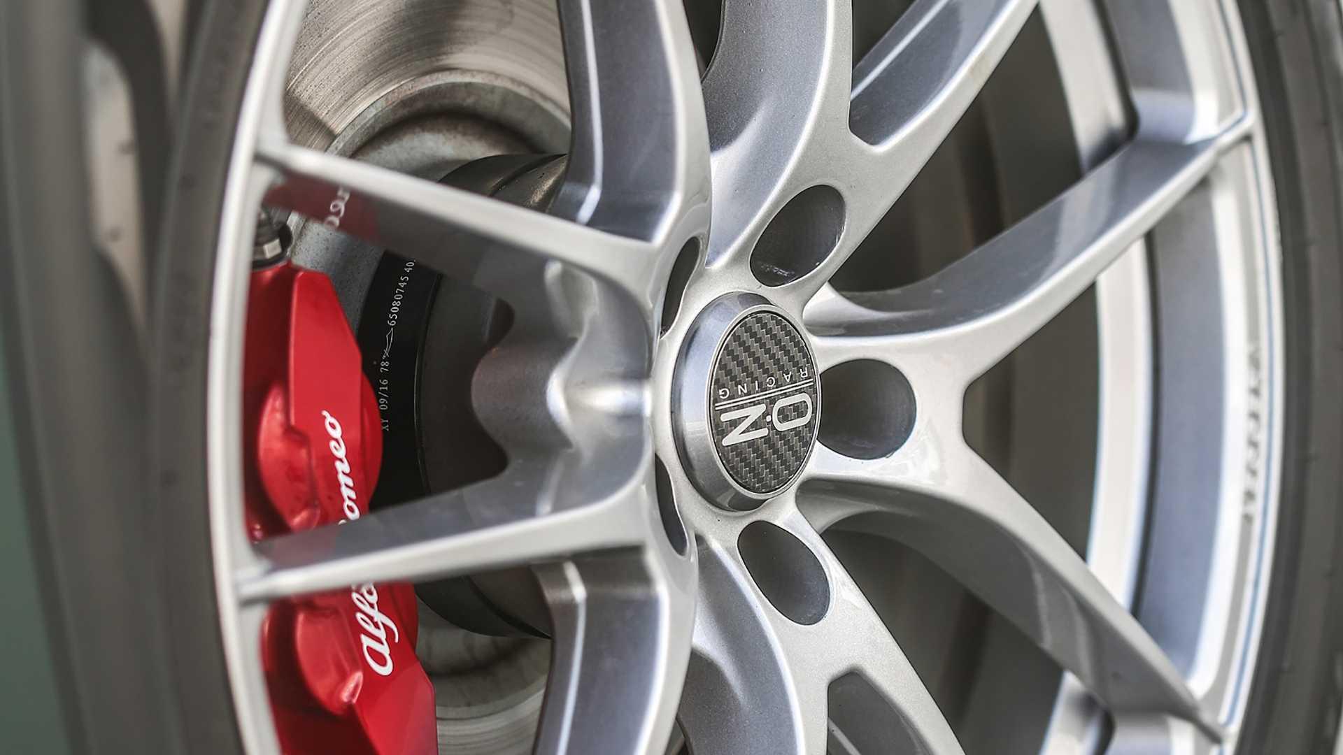 Alfa_Romeo_Stelvio_by_Romeo_Ferraris_0001