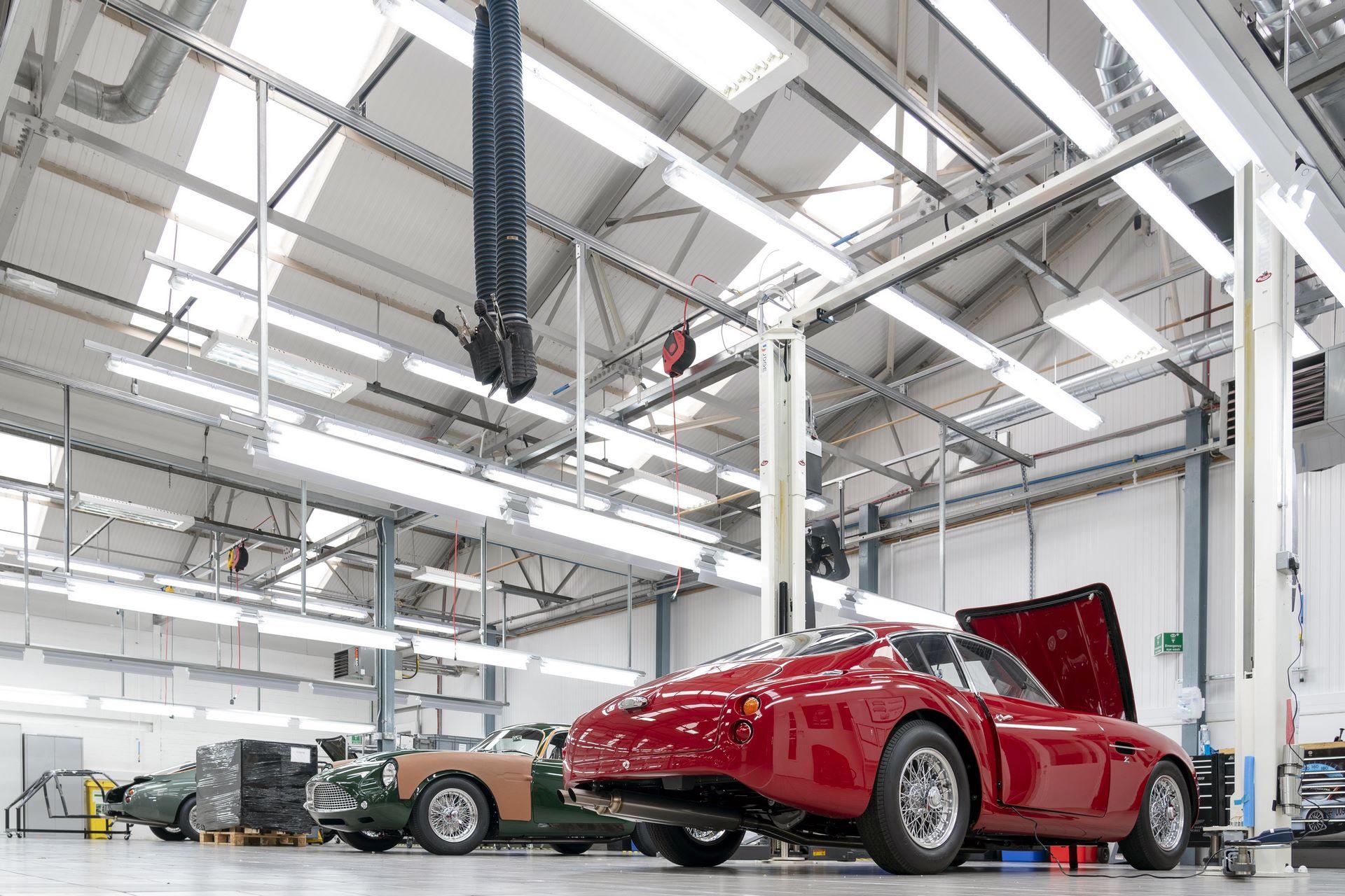 Aston-Martin-DB4-GT-Zagato-Continuation-first-delivery-10