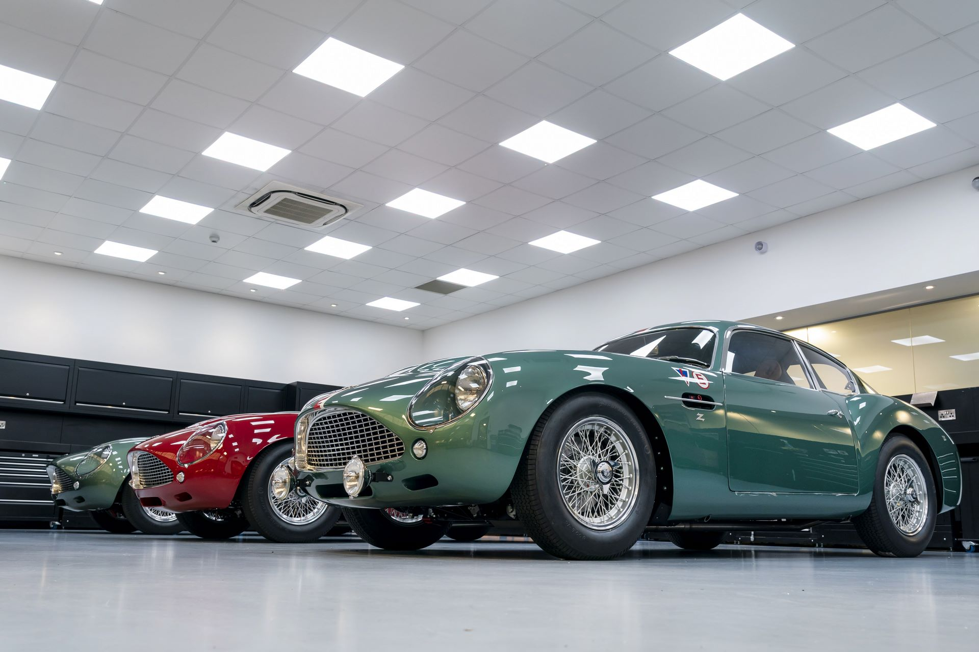 Aston-Martin-DB4-GT-Zagato-Continuation-first-delivery-13