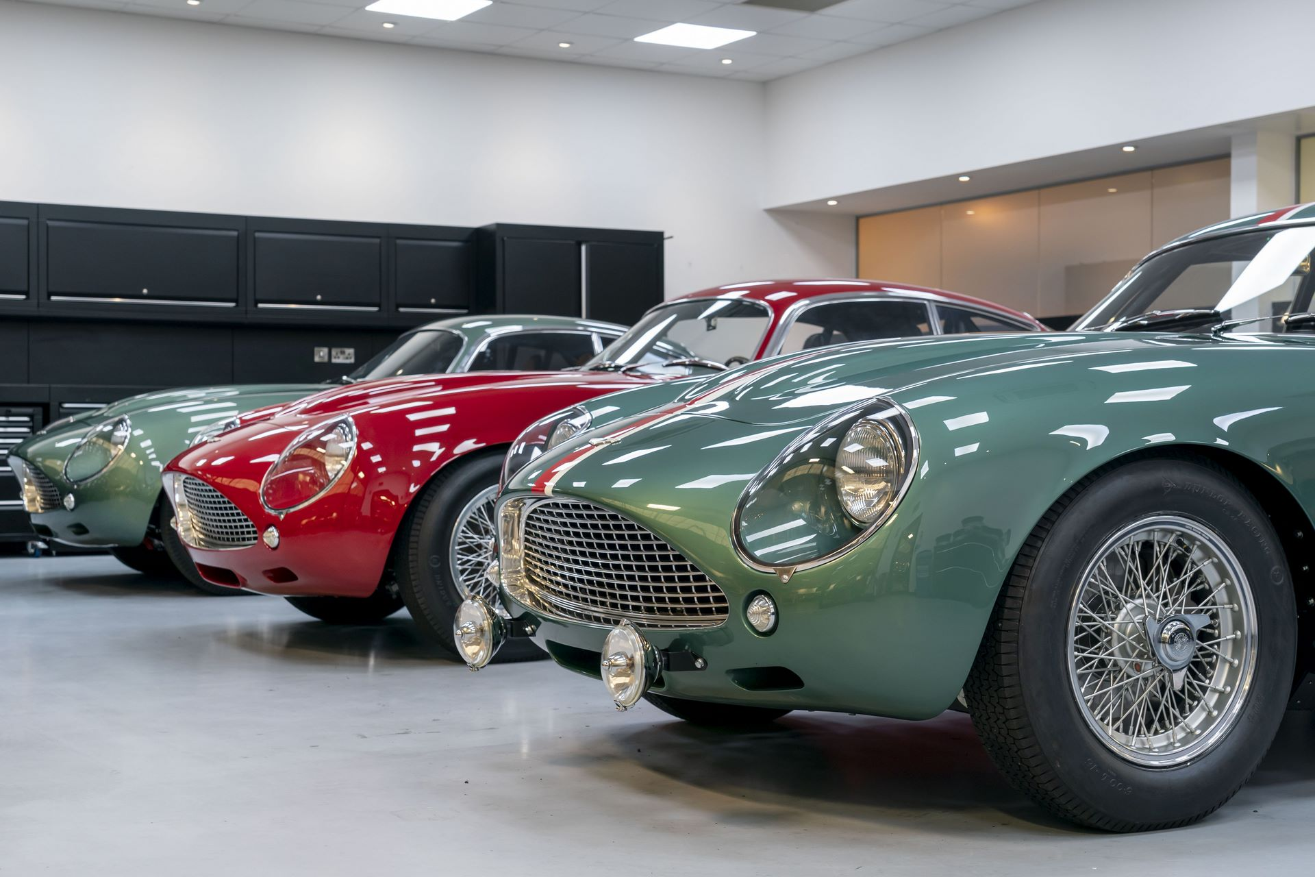 Aston-Martin-DB4-GT-Zagato-Continuation-first-delivery-14