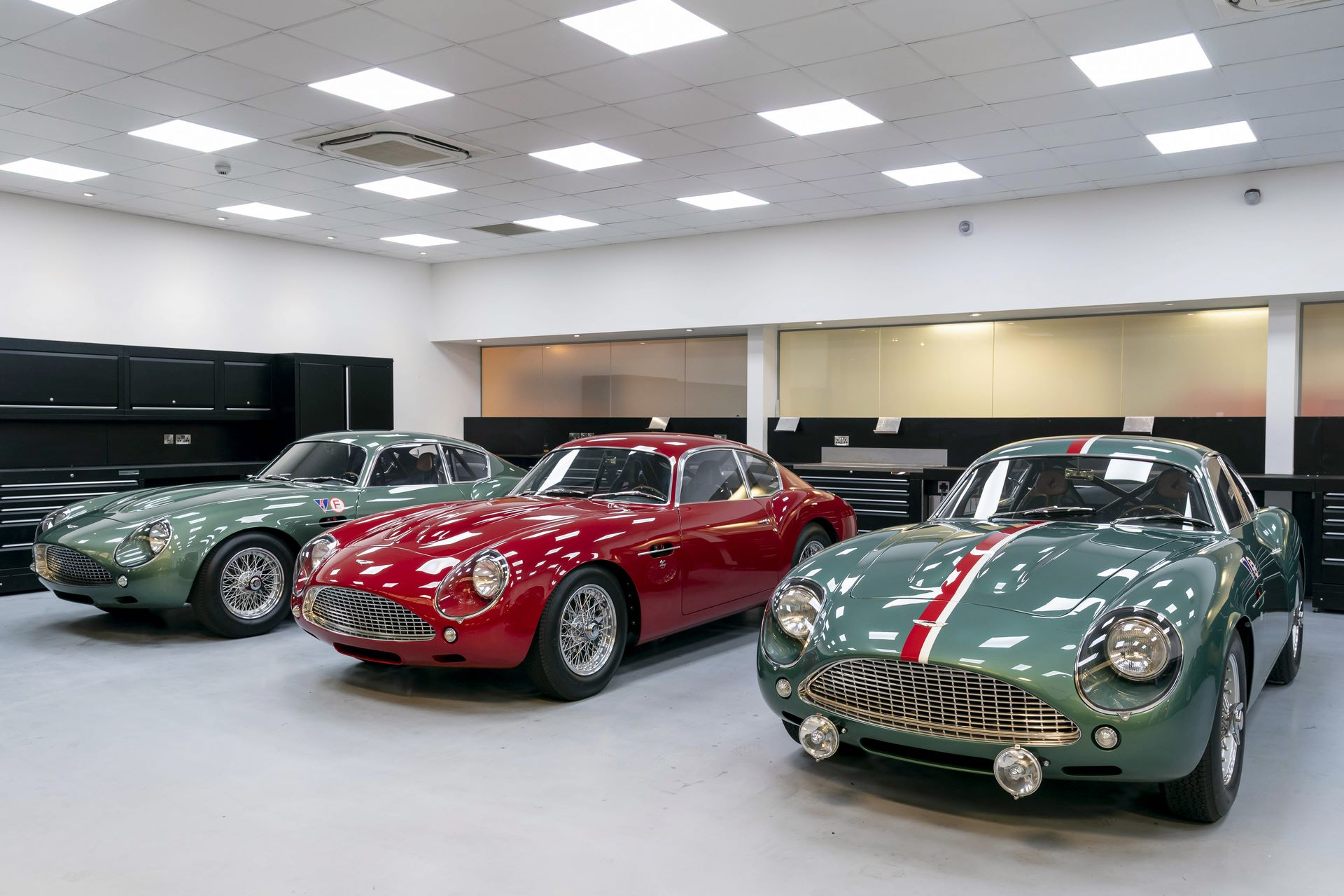Aston-Martin-DB4-GT-Zagato-Continuation-first-delivery-17