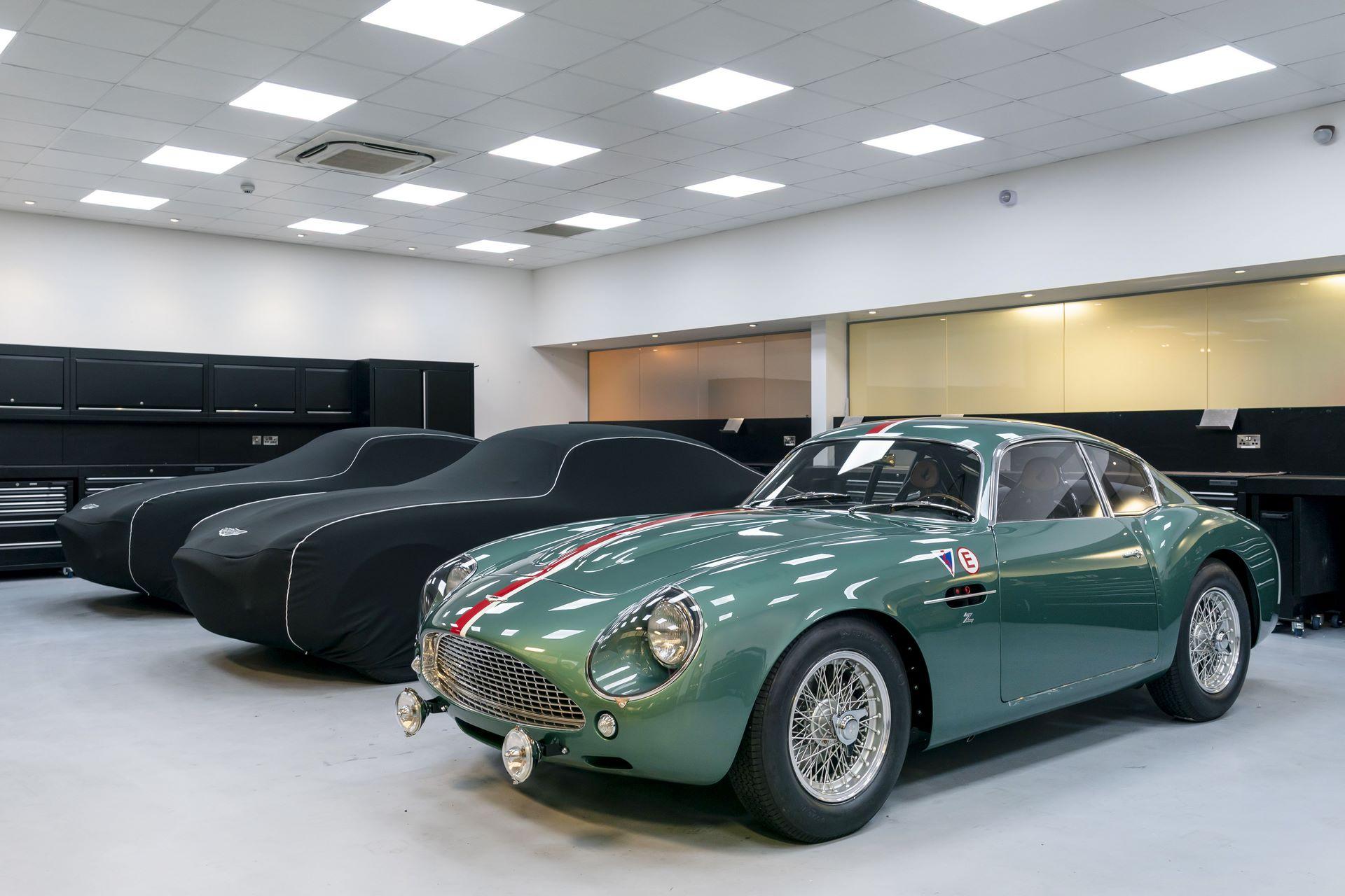 Aston-Martin-DB4-GT-Zagato-Continuation-first-delivery-18