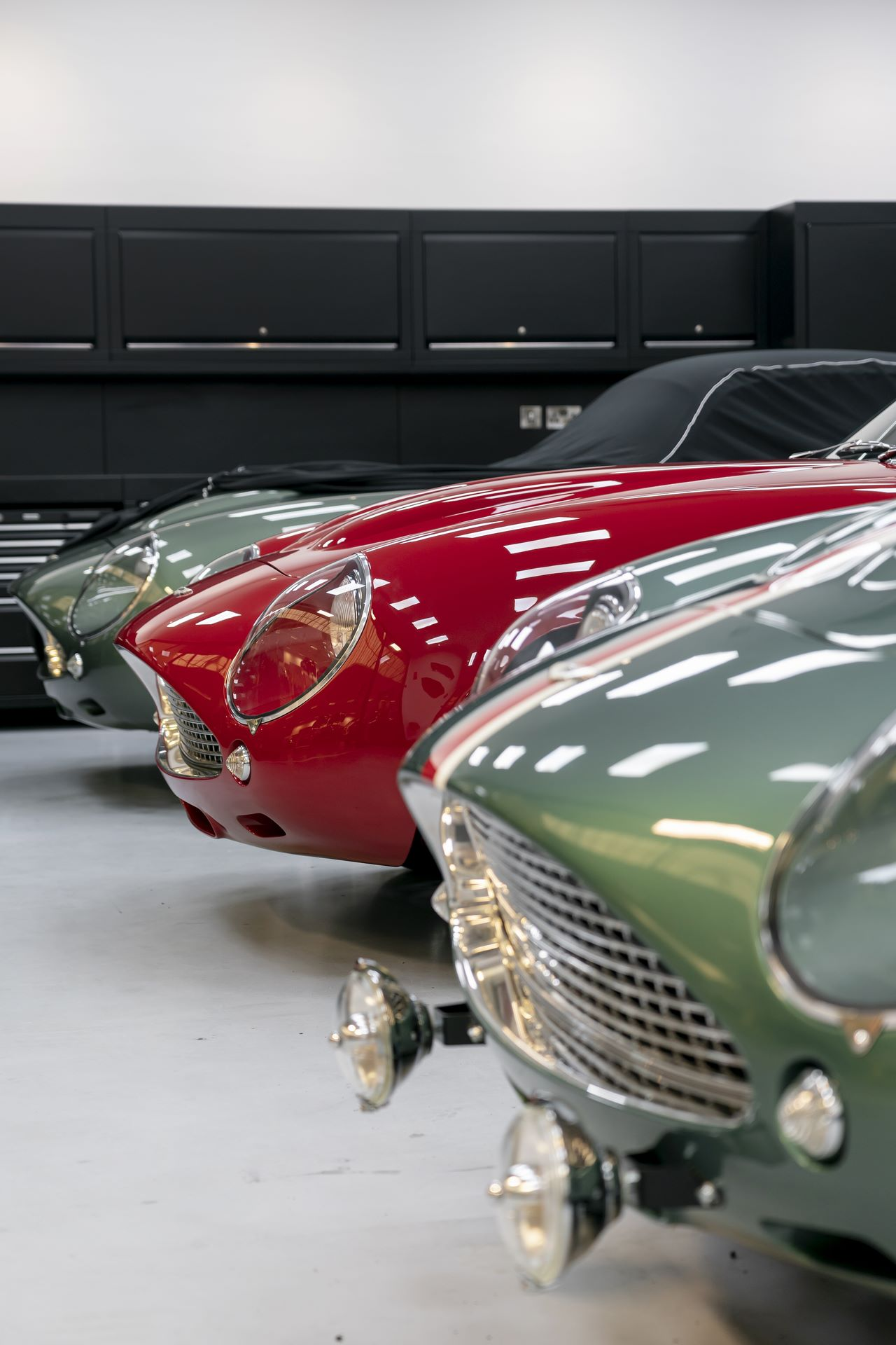 Aston-Martin-DB4-GT-Zagato-Continuation-first-delivery-19