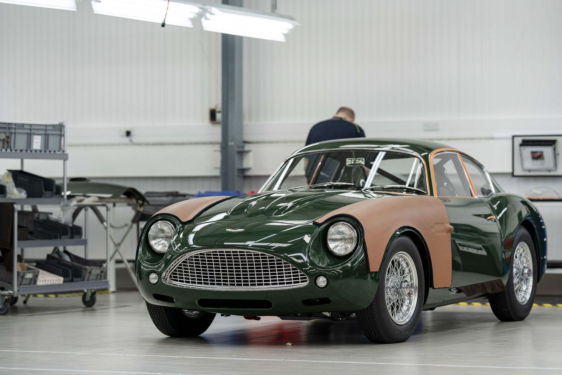 Aston-Martin-DB4-GT-Zagato-Continuation-first-delivery-9