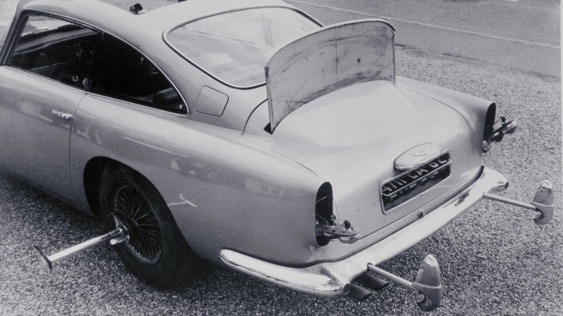 aston-martin-db5-goldfinger-continuation-car-1-12