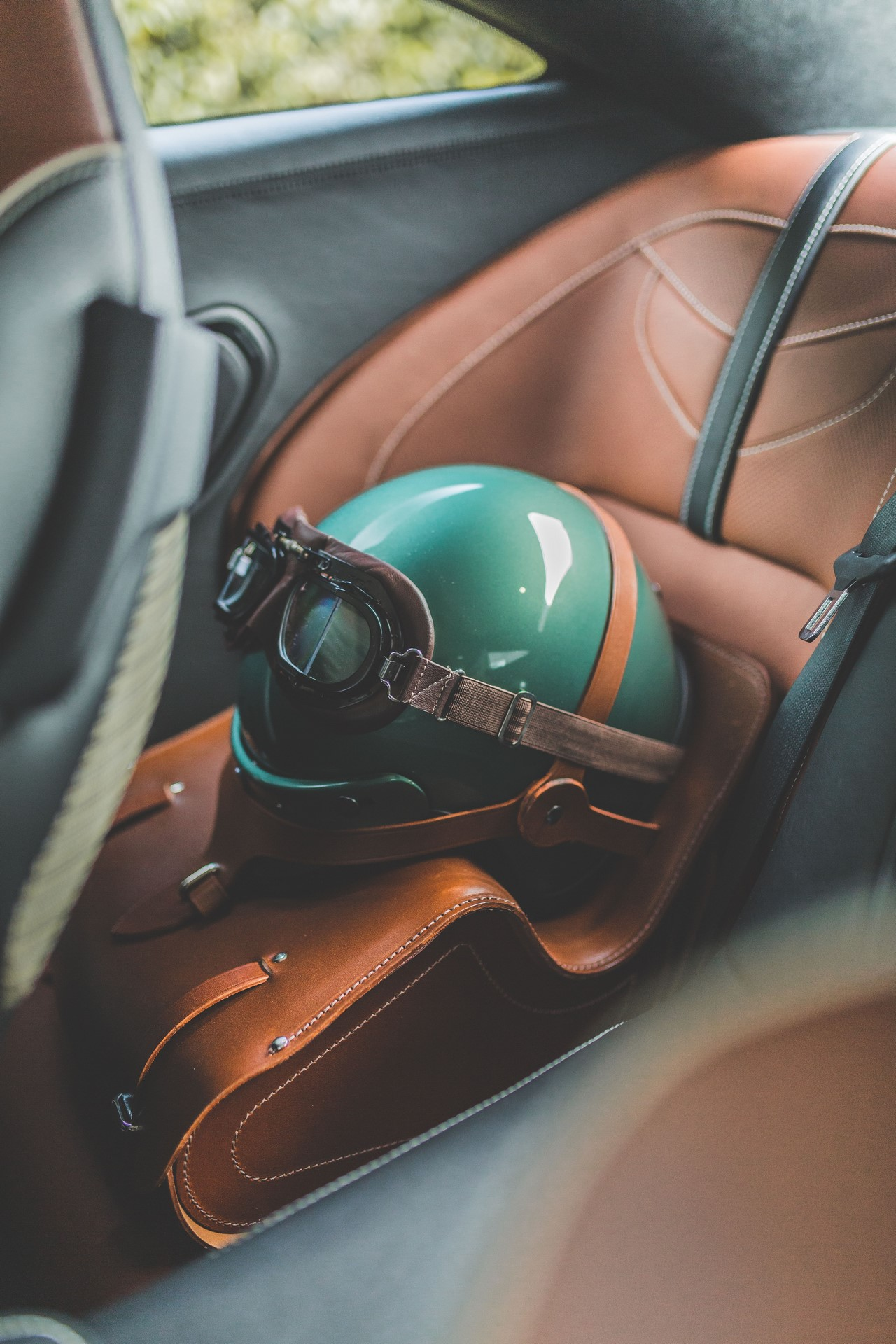 Aston-Martin-DBS-59-Edition-6
