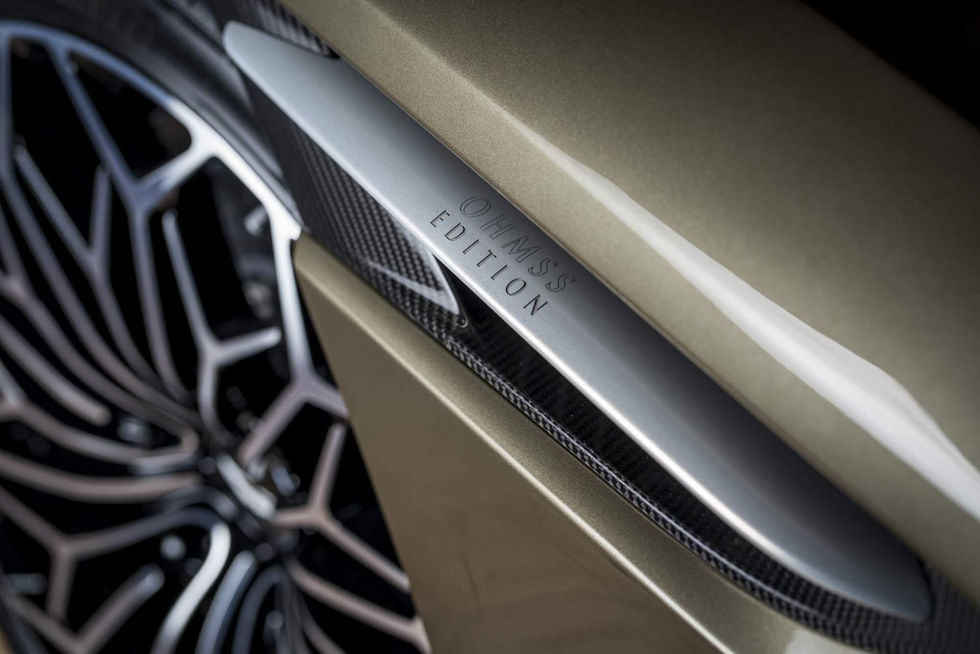 Aston-Martin-DBS-Superleggera-James-Bond-Special-Edition-11