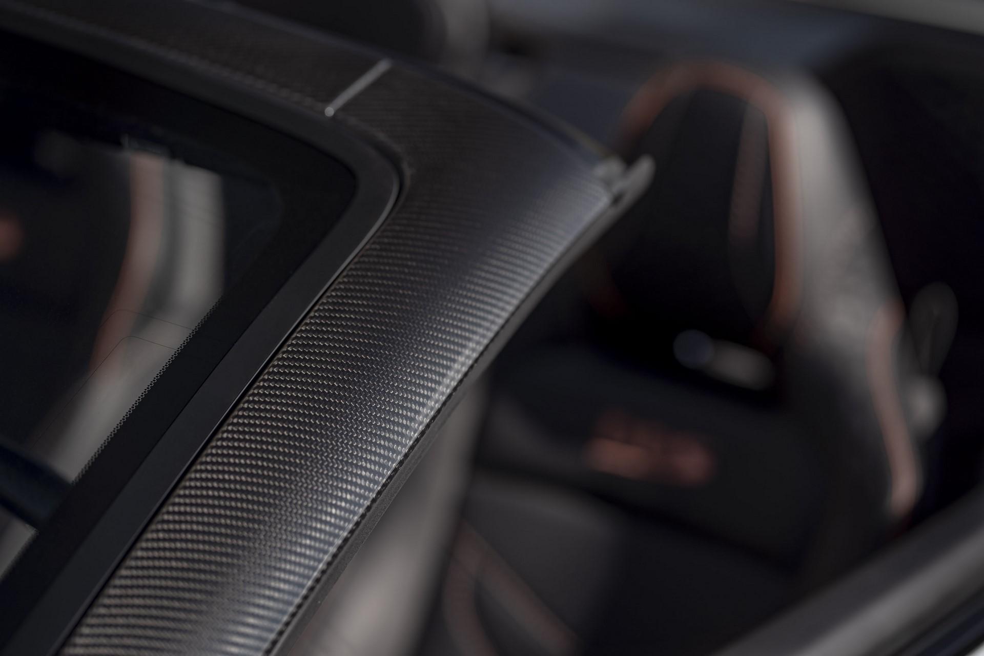 Aston-Martin-DBS-Superleggera-Volante-2