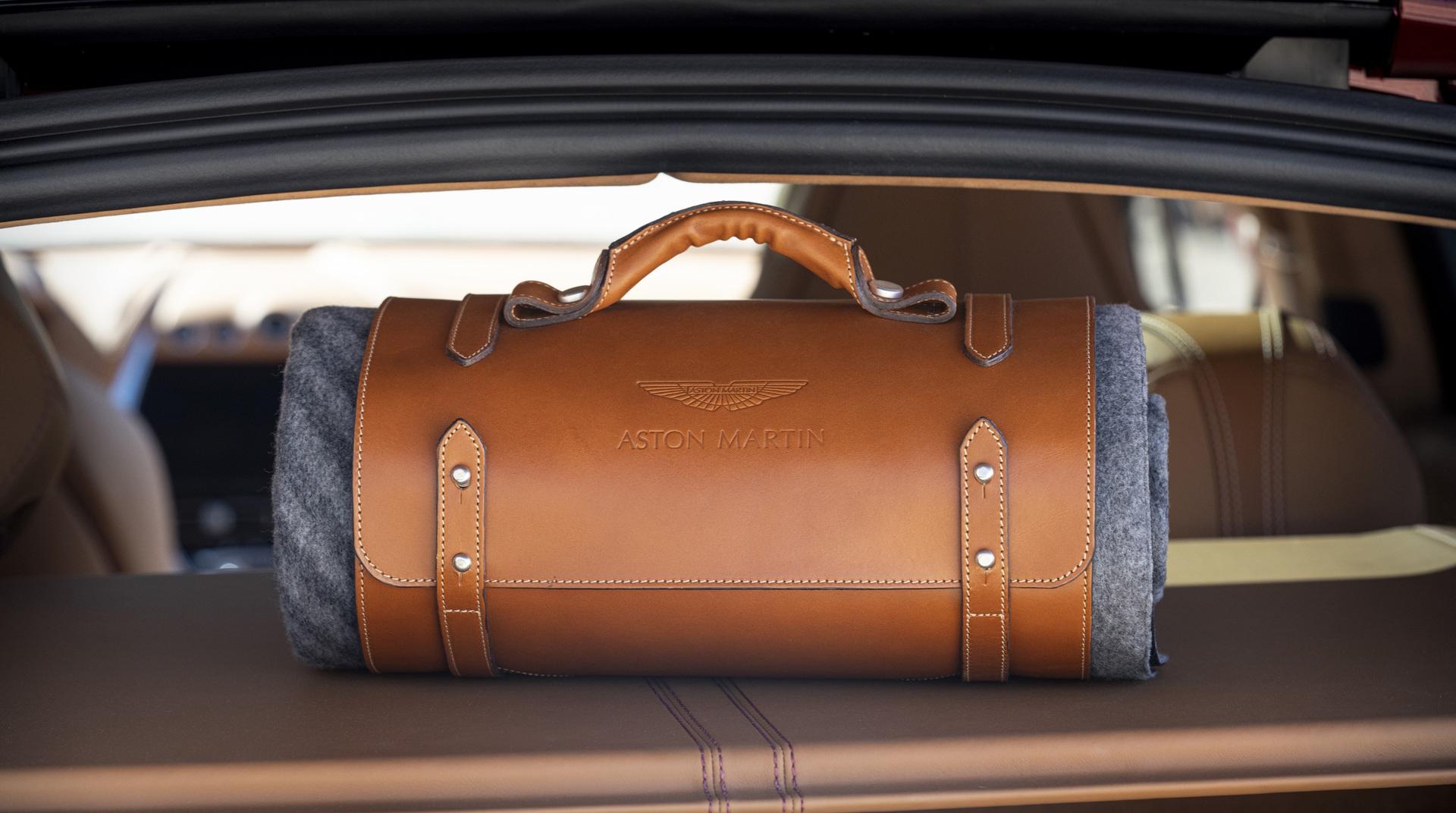 Aston-Martin-DBX-Picnic-Blanket