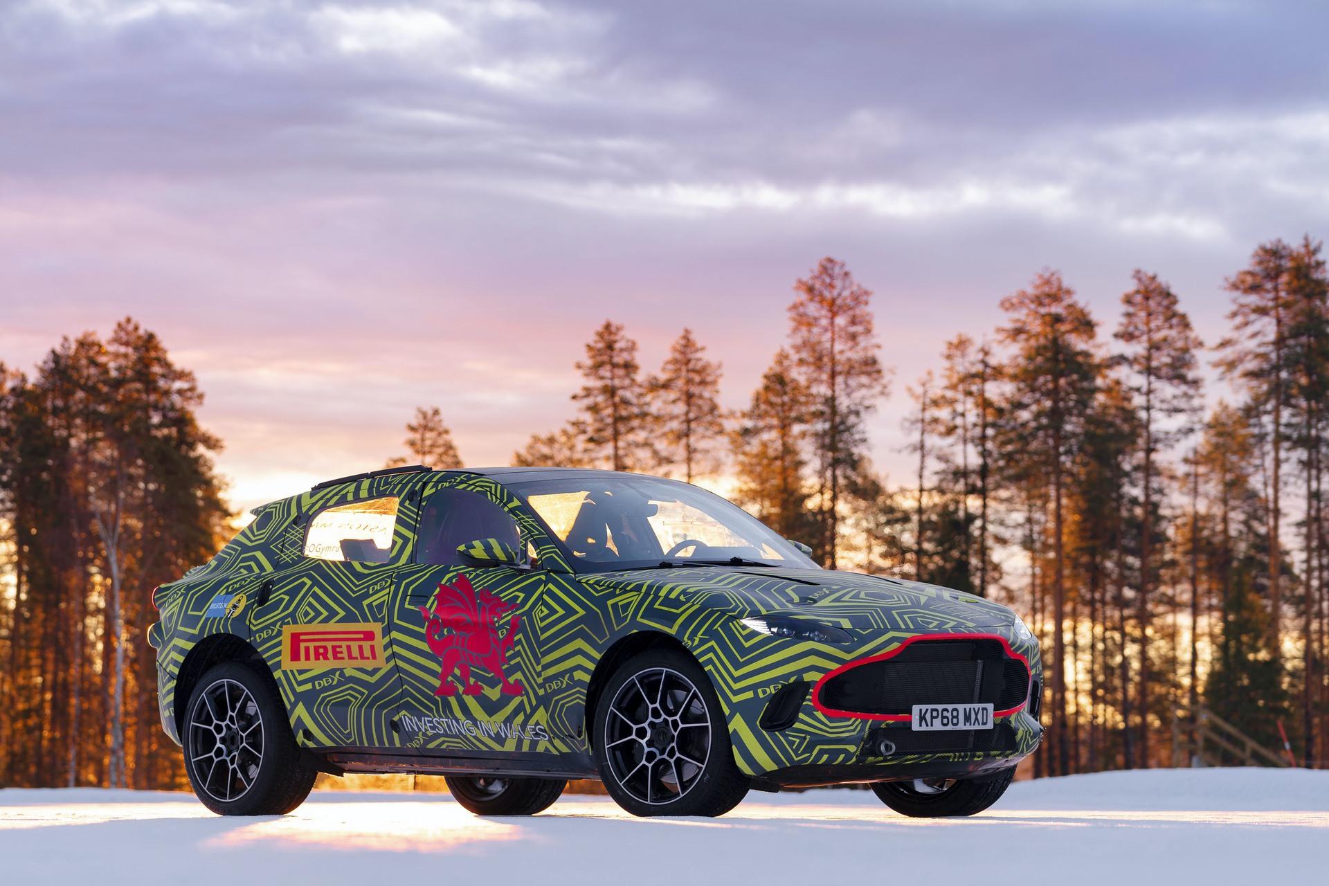 Aston Martin DBX (7)