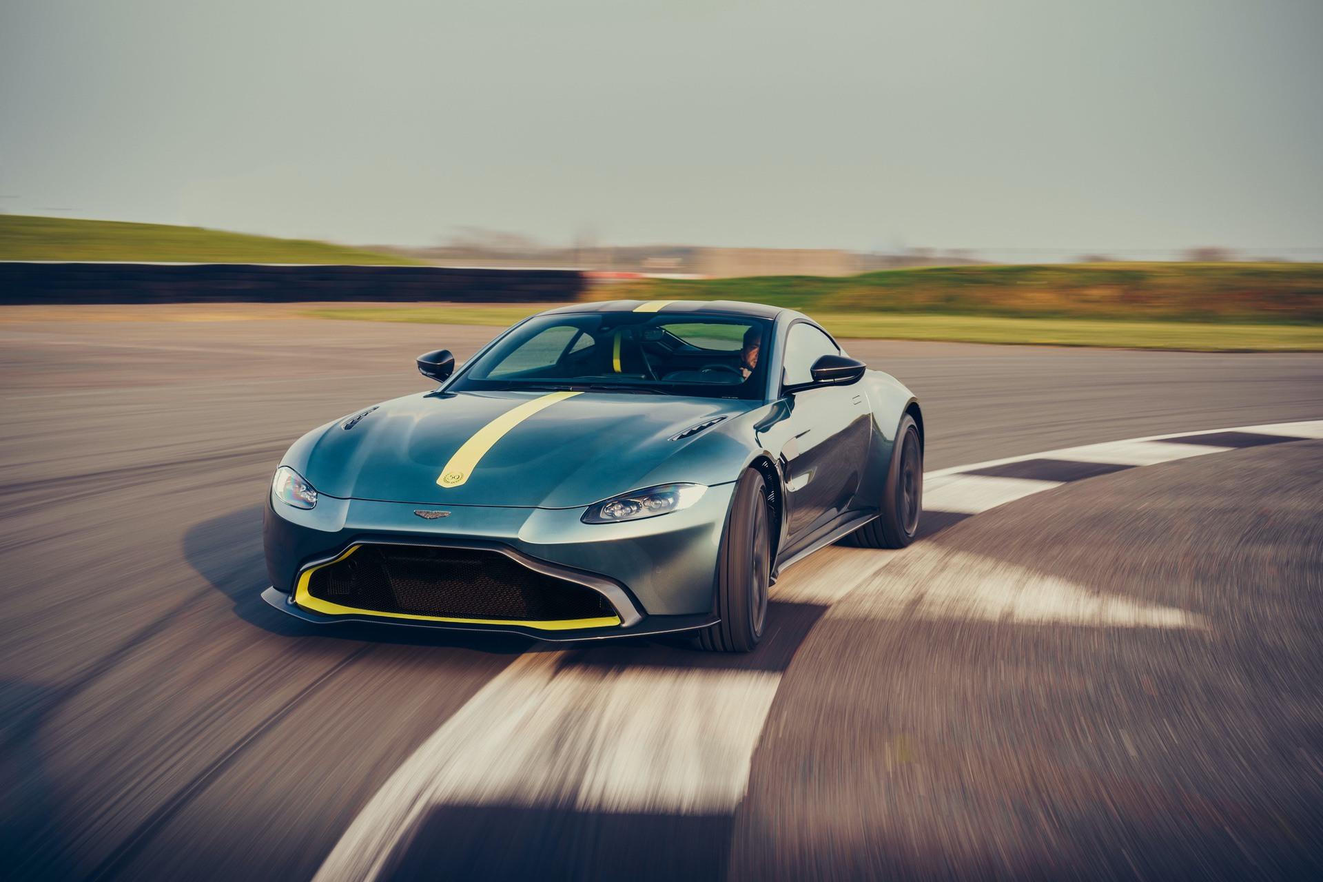 Aston_Martin_Vantage_AMR_0013