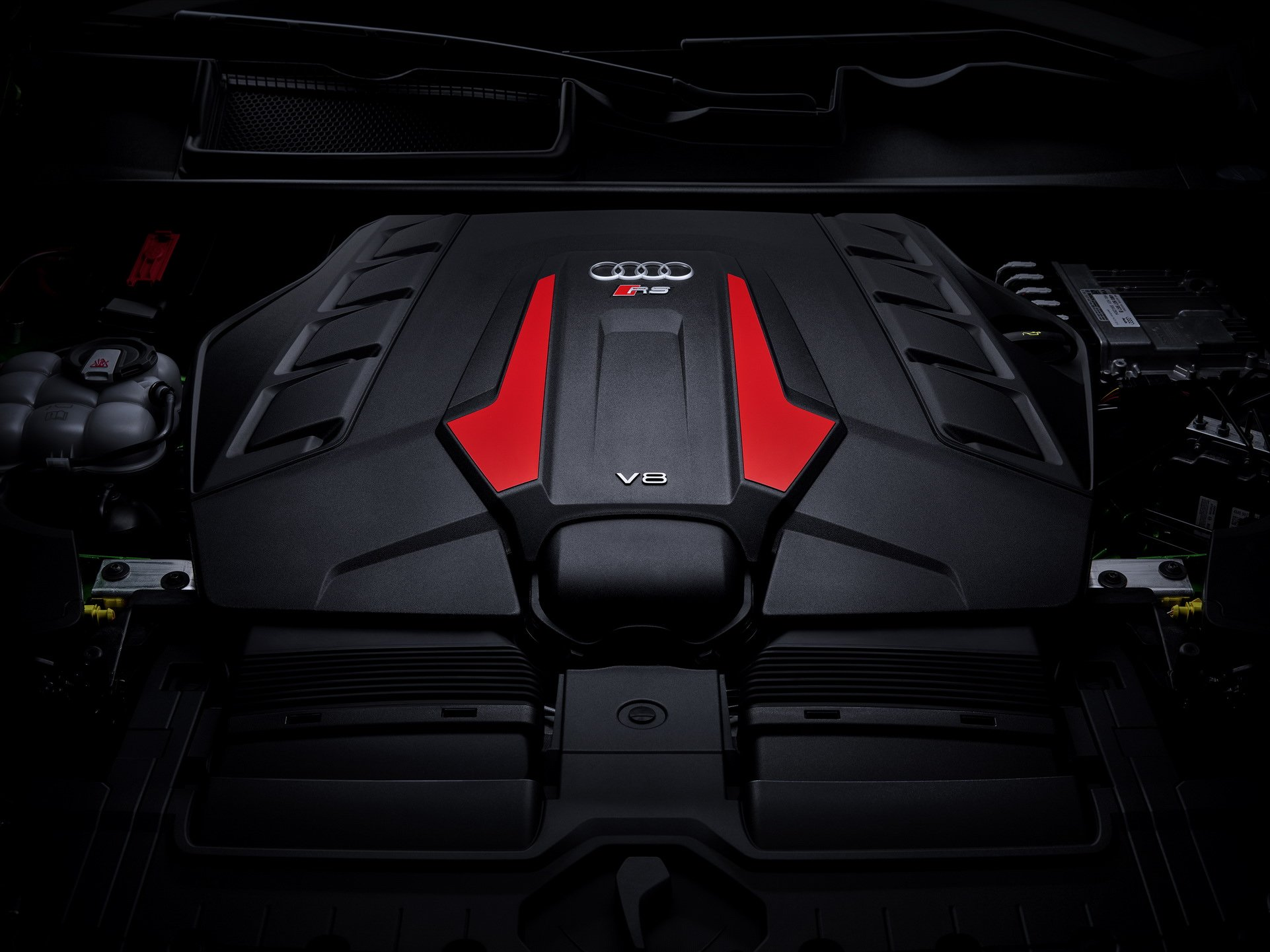 Audi-RS-Q8-1-1