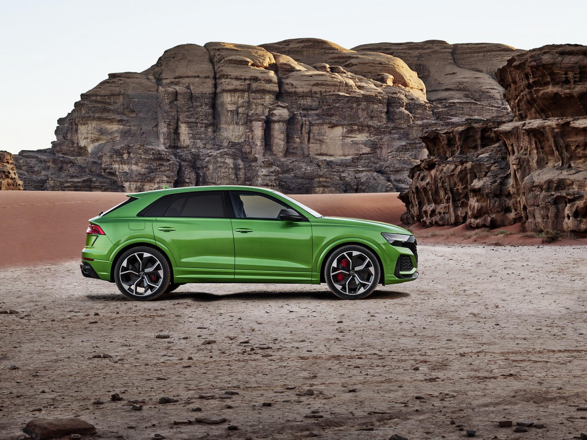 Audi-RS-Q8-25