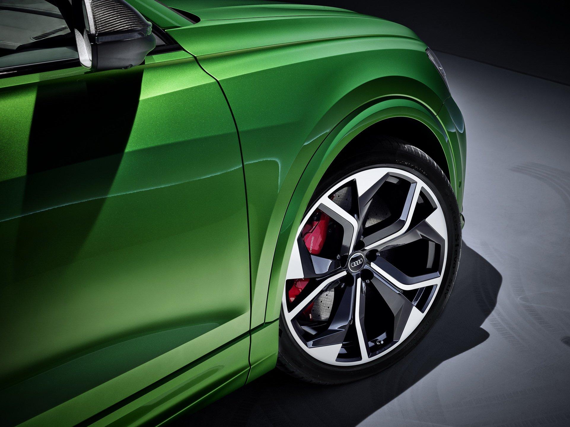 Audi-RS-Q8-3-1