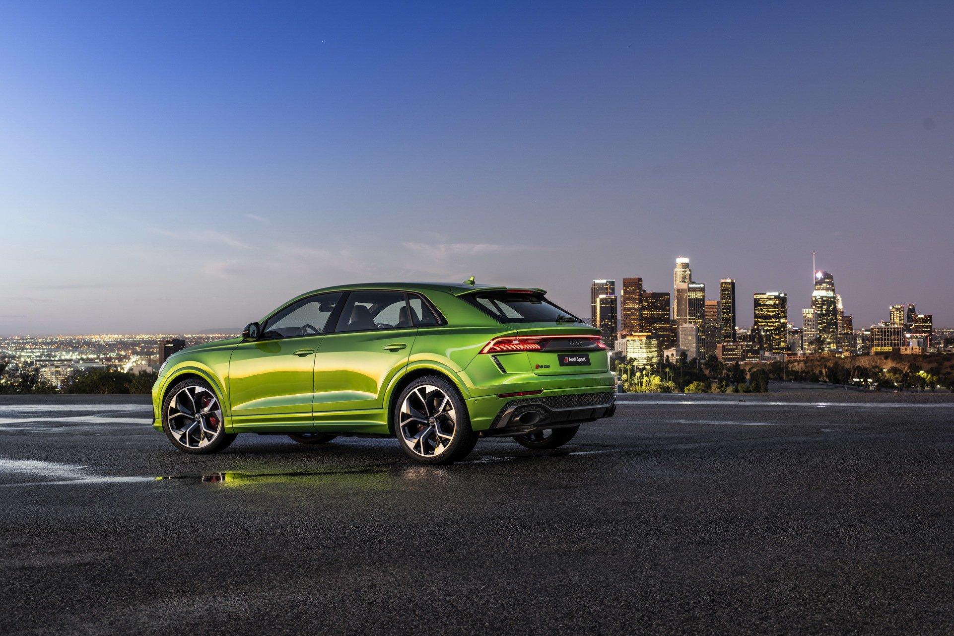 Audi-RS-Q8-50