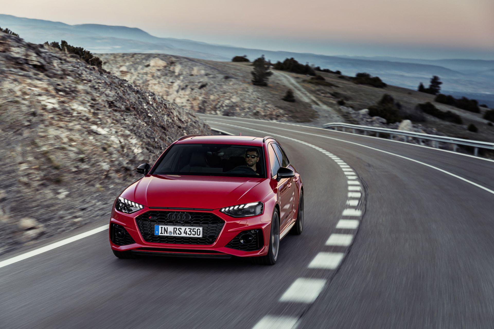 Audi-RS4-Avant-2020-1