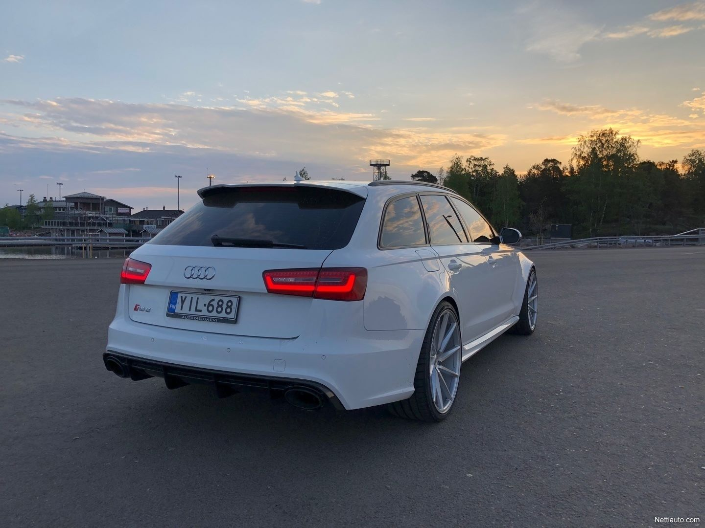 Audi-RS6-Avant-Kimi-Raikkonen-for-sale-9