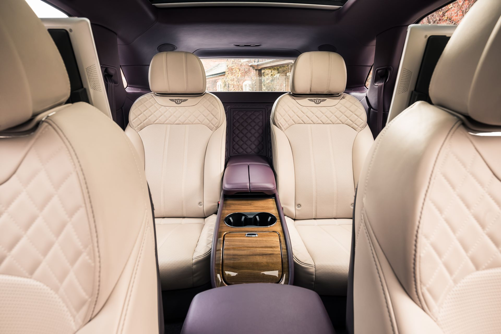 Bentley-Bentayga-four-and-seven-seat-configuration-4