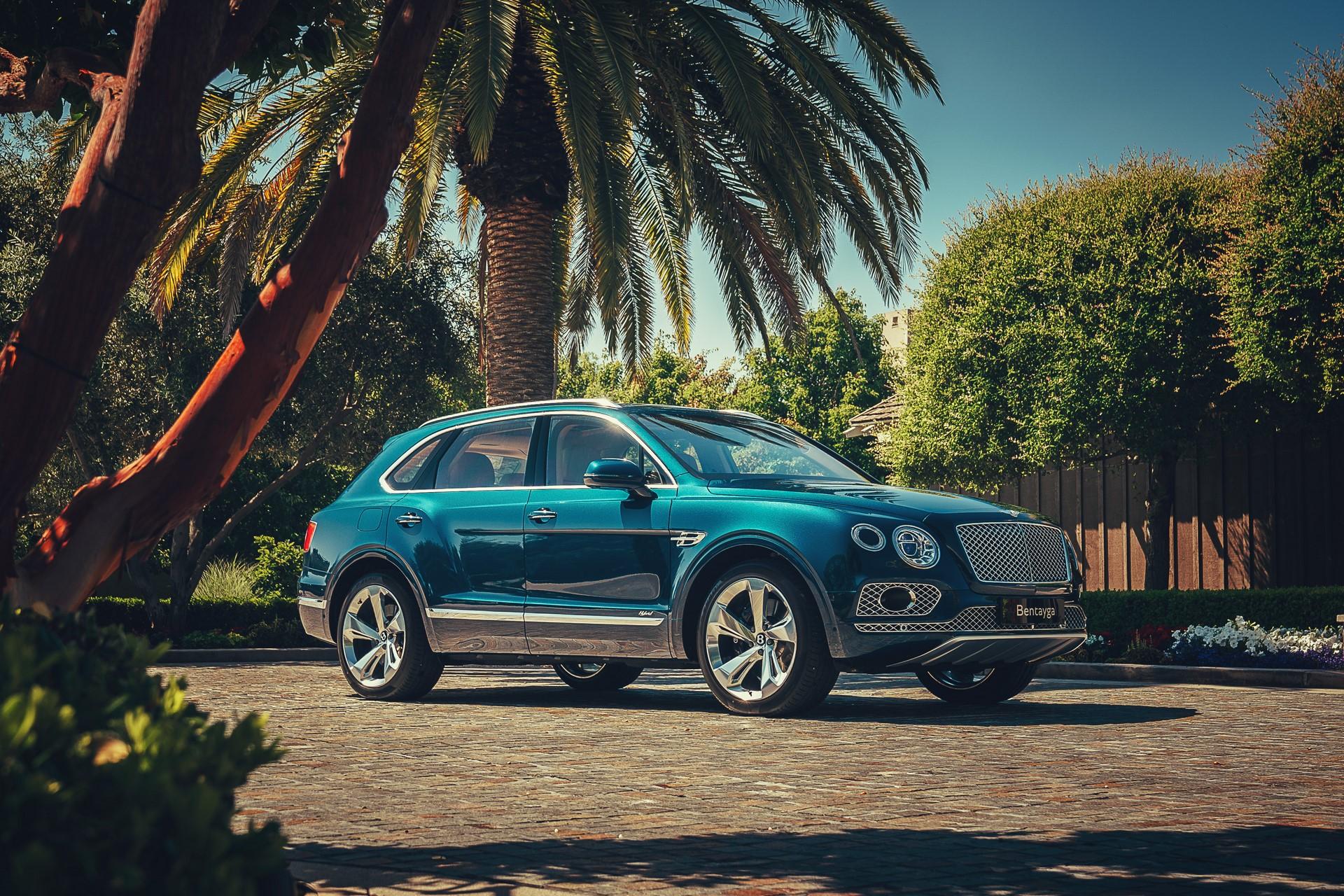 Bentley-Bentayga-Hybrid-2020-2