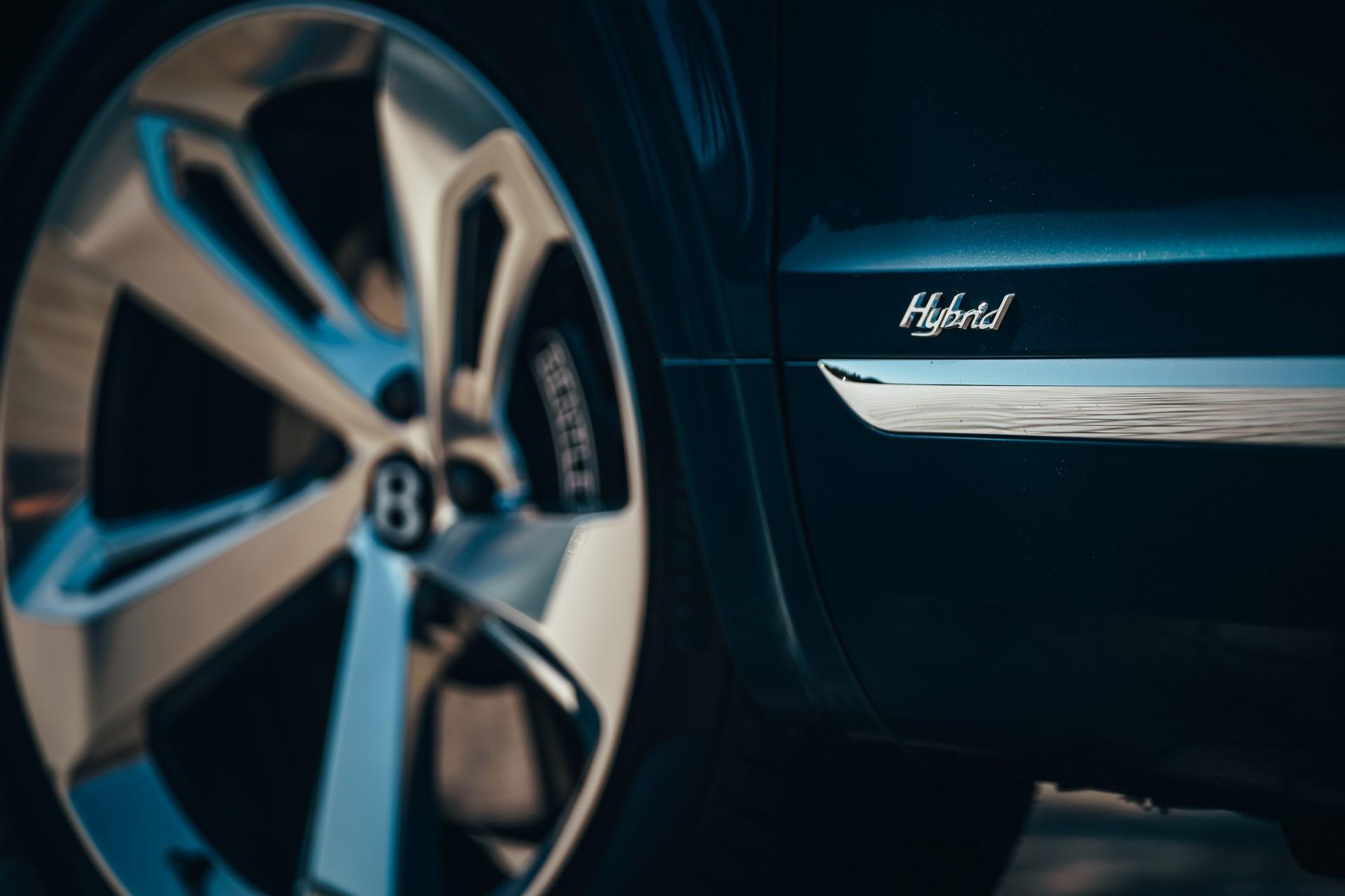 Bentley-Bentayga-Hybrid-2020-4