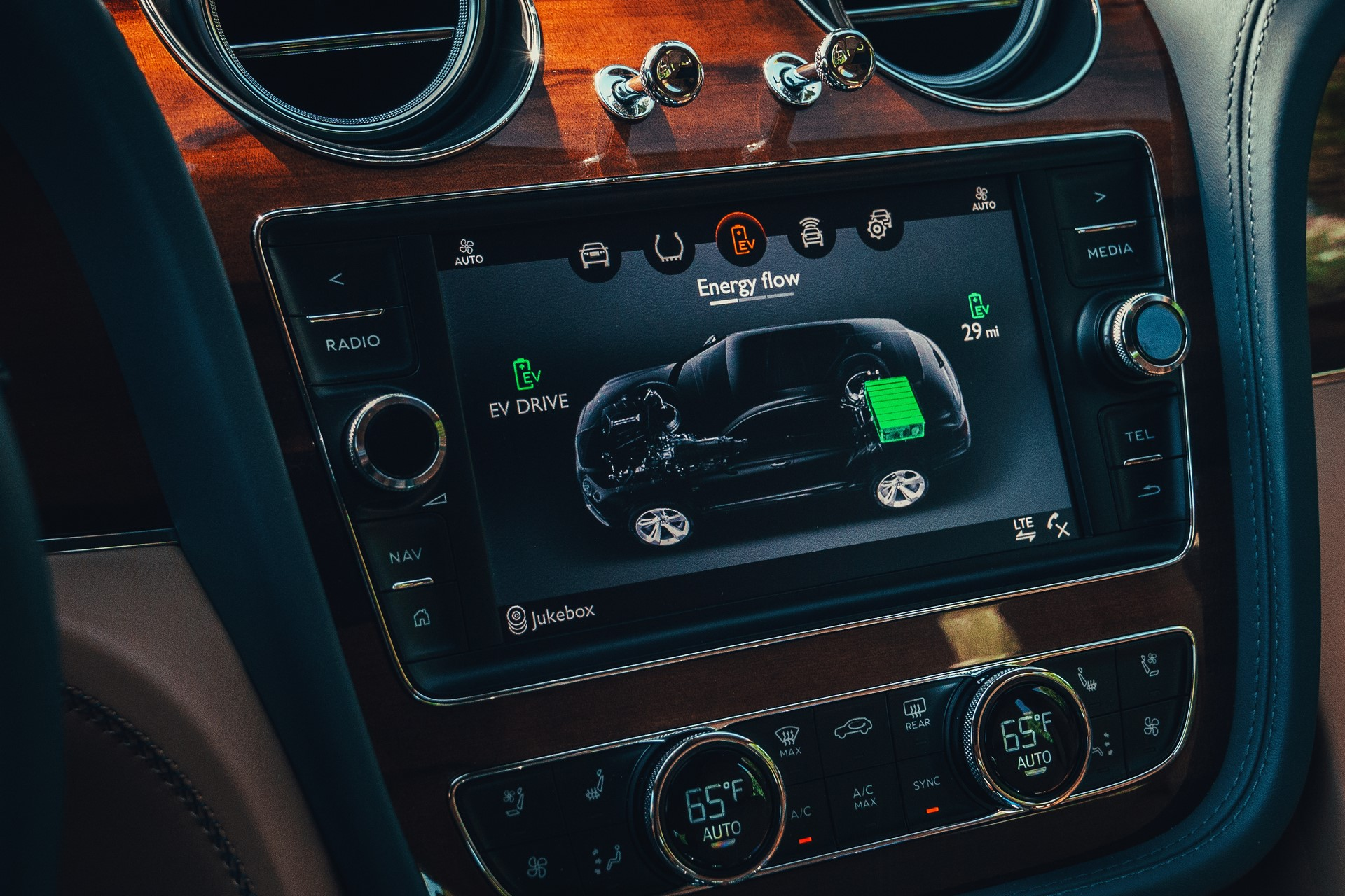Bentley-Bentayga-Hybrid-2020-5