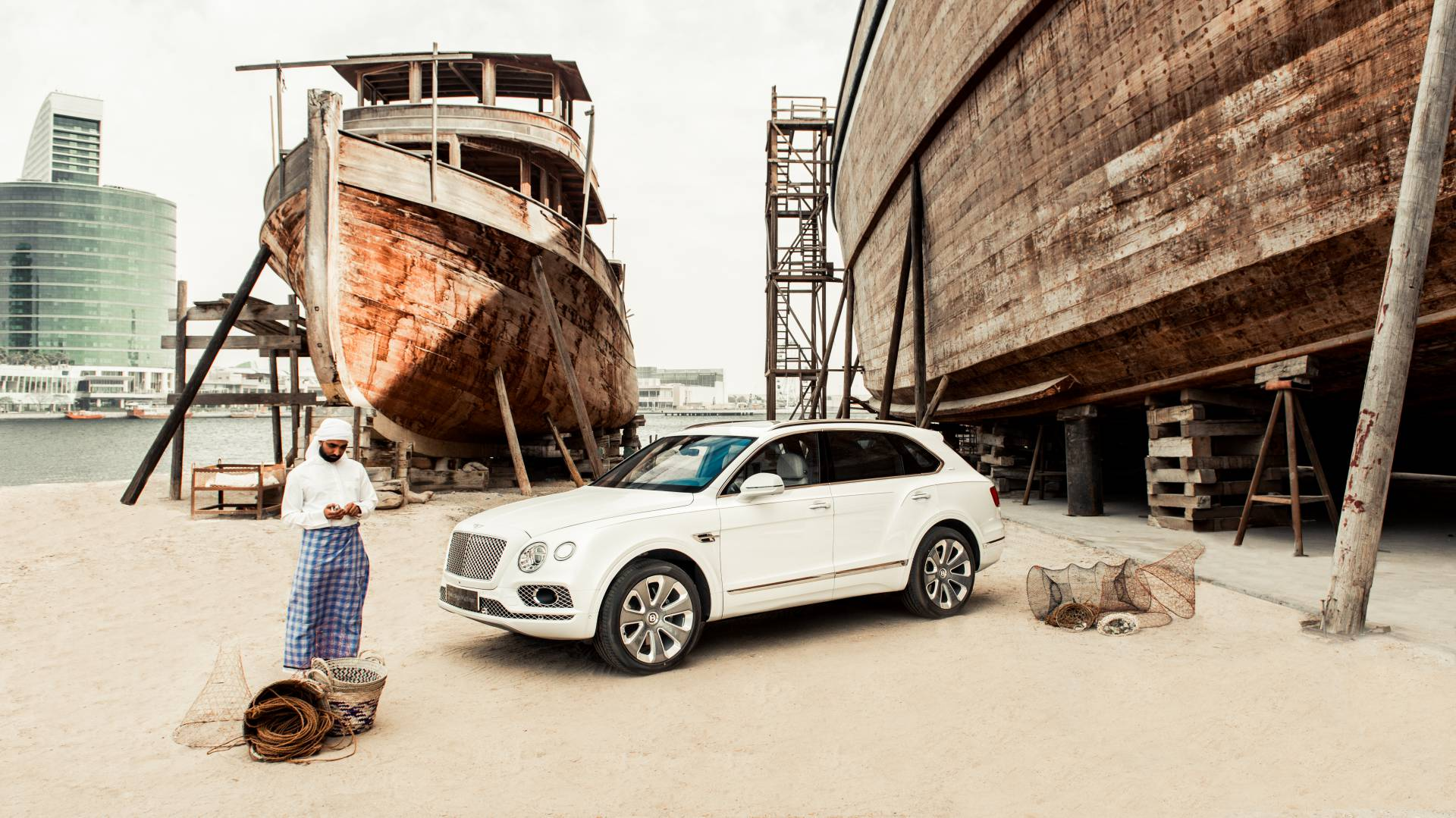 Bentley Bentayga Pearl of the Gulf by Mulliner (1)