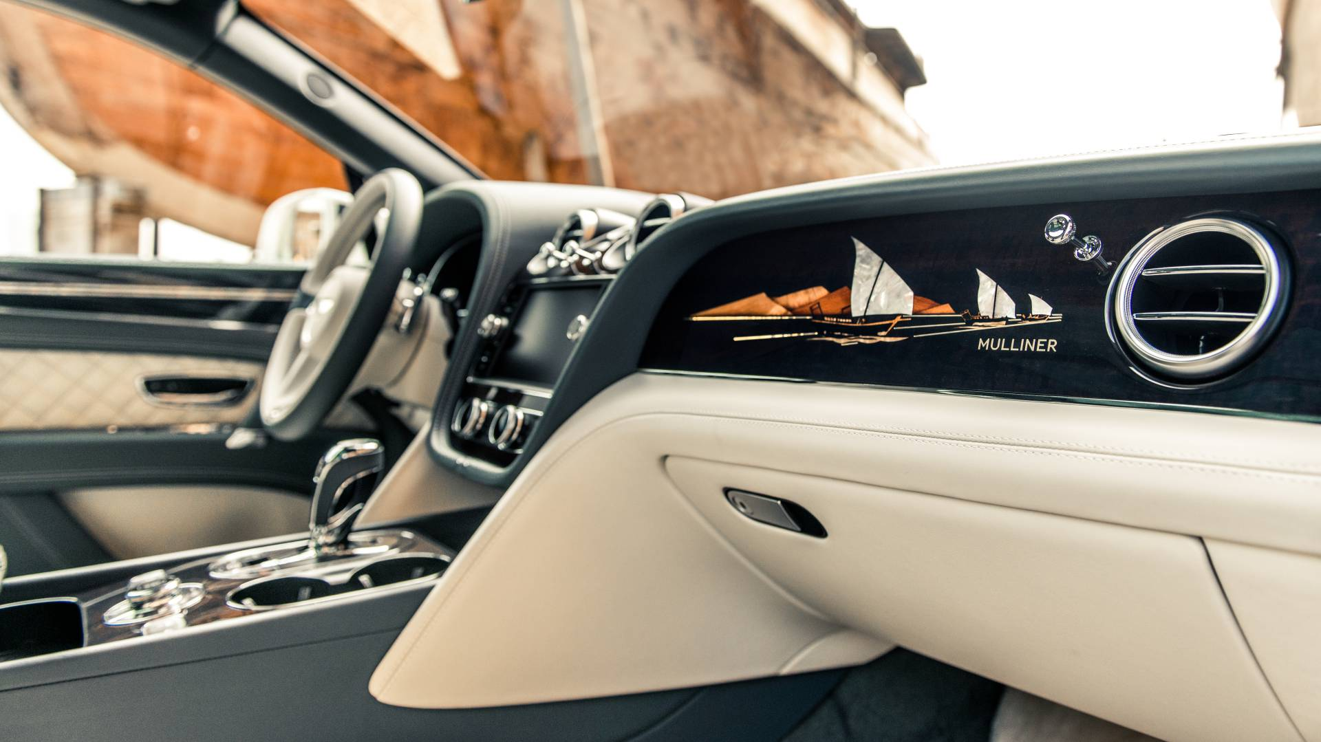 Bentley Bentayga Pearl of the Gulf by Mulliner (5)